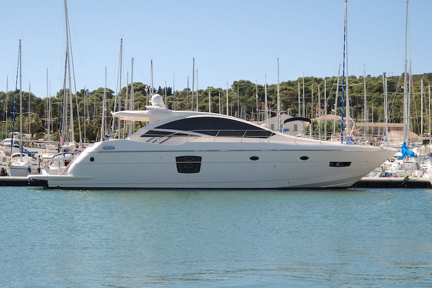 2011 QUEENS Yachts 62 'LAST BET' - MAN D2868 LE 433 • 1200 HP • 651 HOURS6 BERTHS IN 3 CABINS • 3 BATHROOMS + CREWITALY / €485,000 VAT PAID