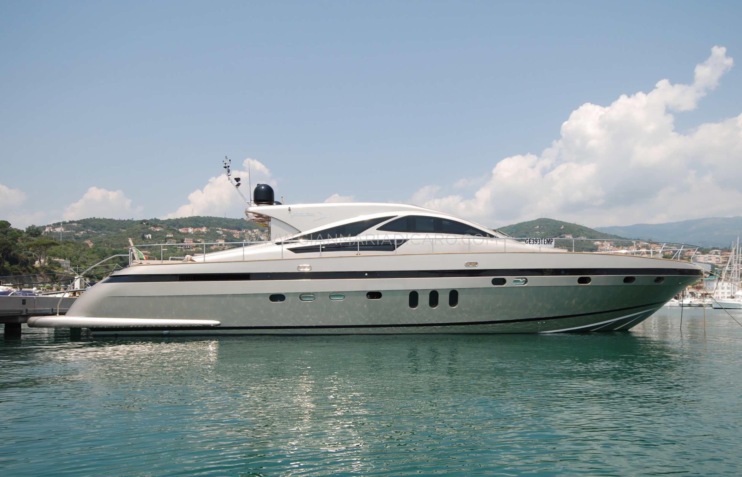 italian-yachts-jaguar-80-miss-11-for-sale-2.jpg
