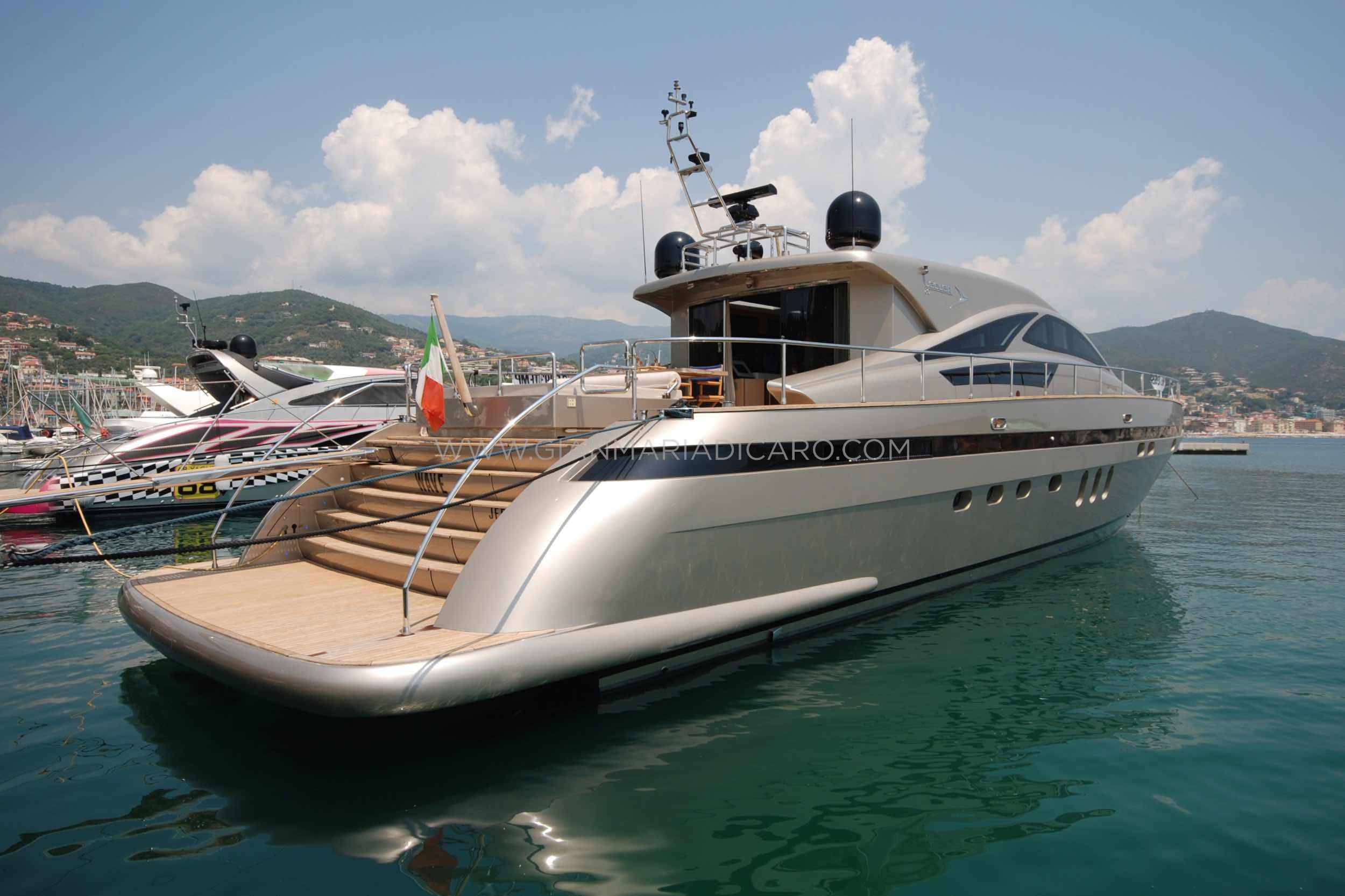 italian-yachts-jaguar-80-miss-11-for-sale-3.jpg