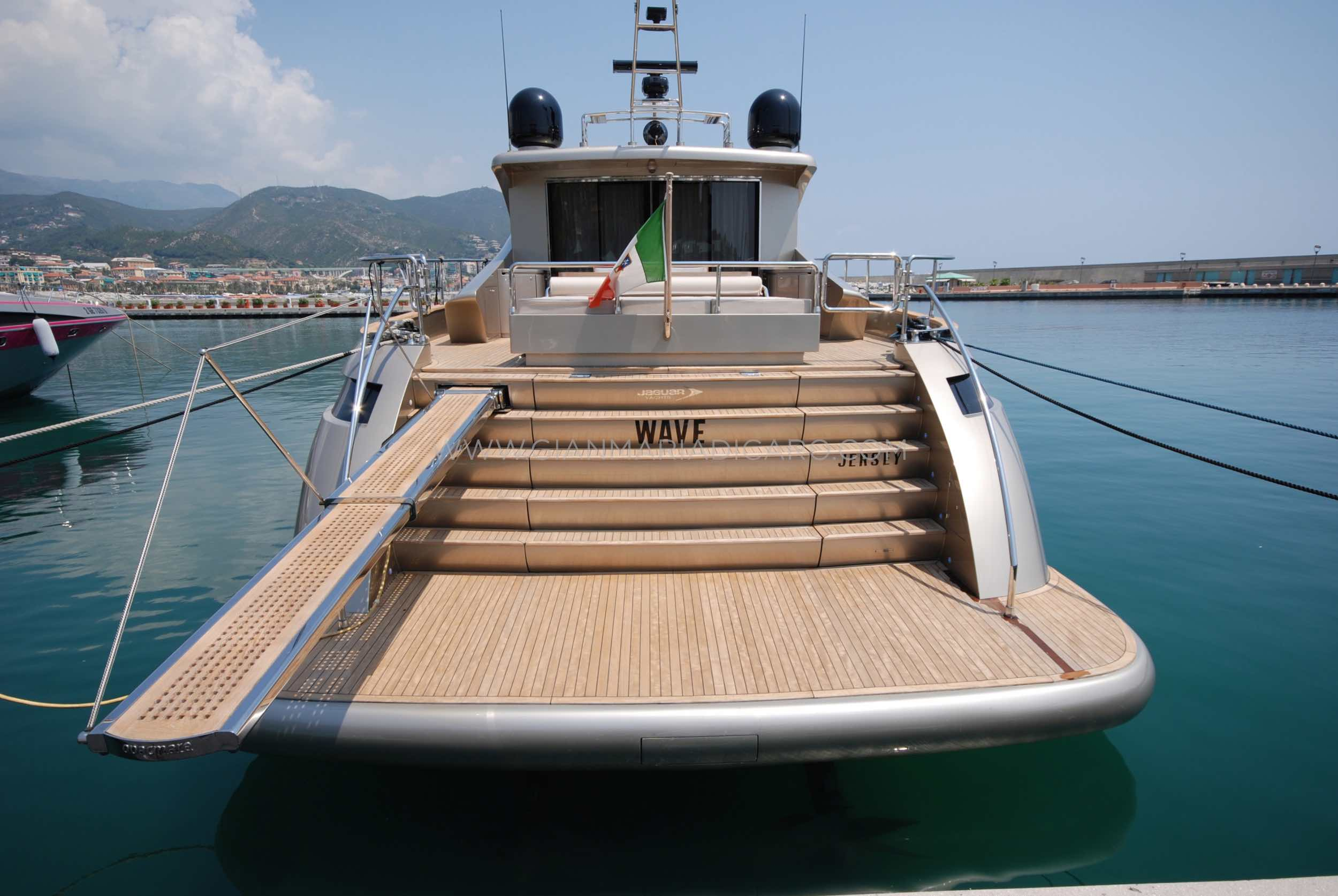 italian-yachts-jaguar-80-miss-11-for-sale-4.jpg