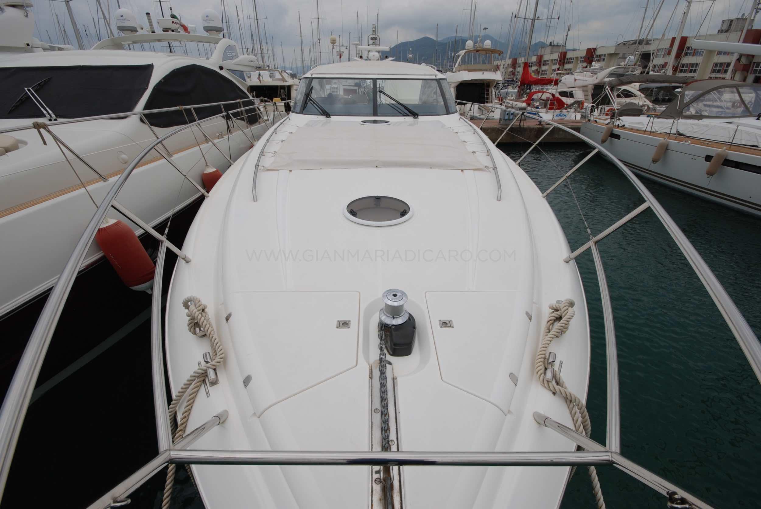 princess-yachts-v58-maestro-di-vita-for-sale-4.jpg