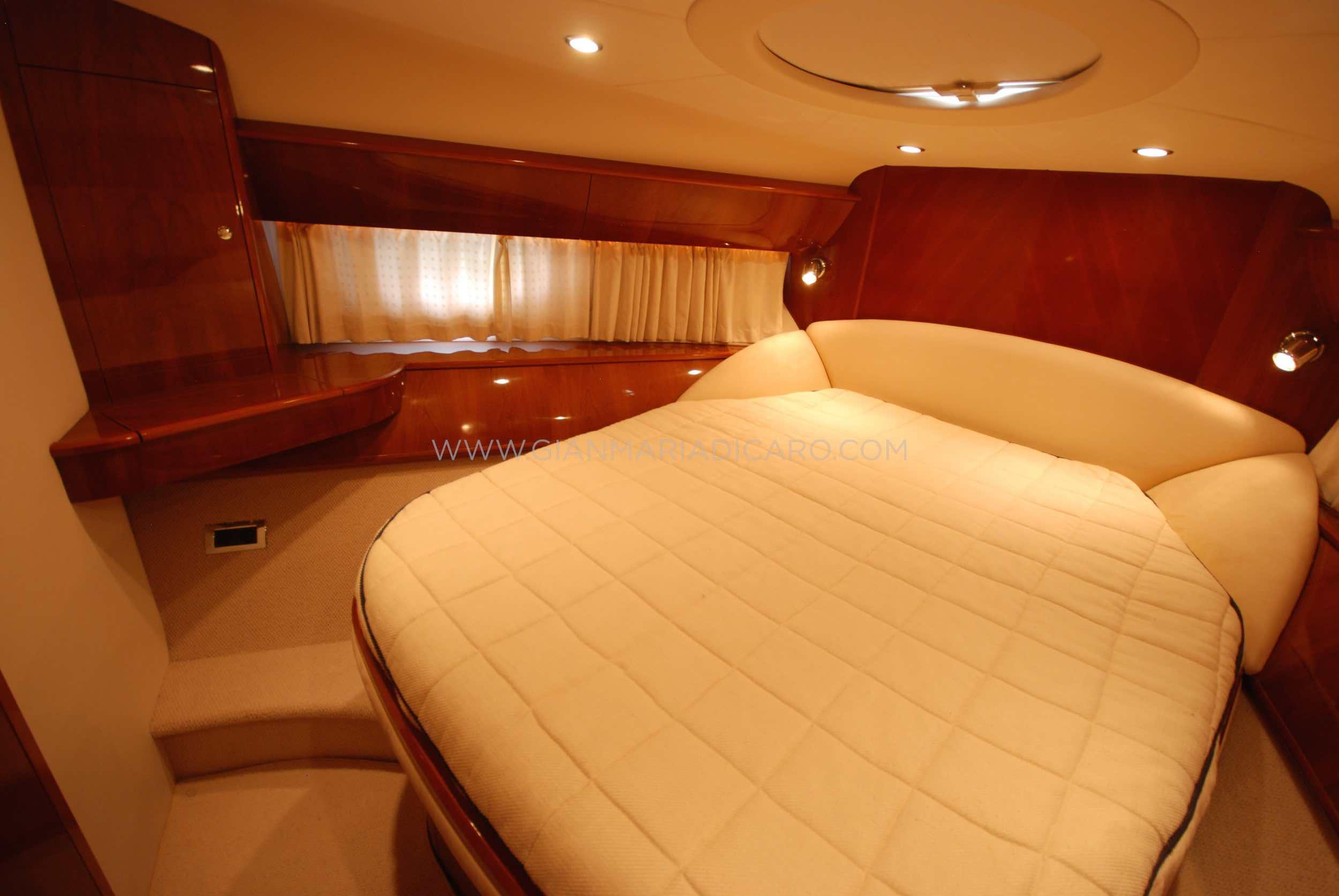 princess-yachts-v58-maestro-di-vita-for-sale-14.jpg