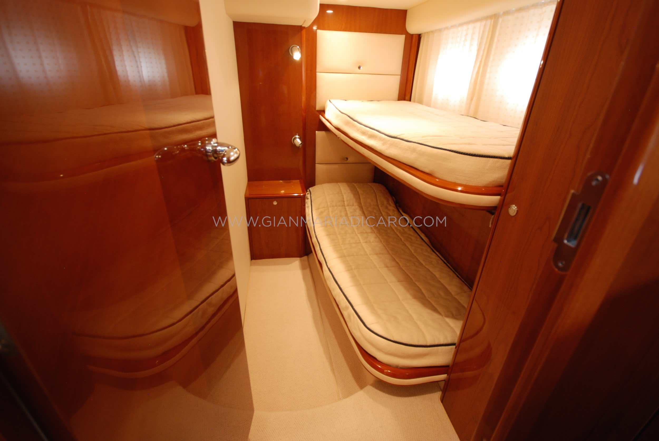 princess-yachts-v58-maestro-di-vita-for-sale-17.jpg