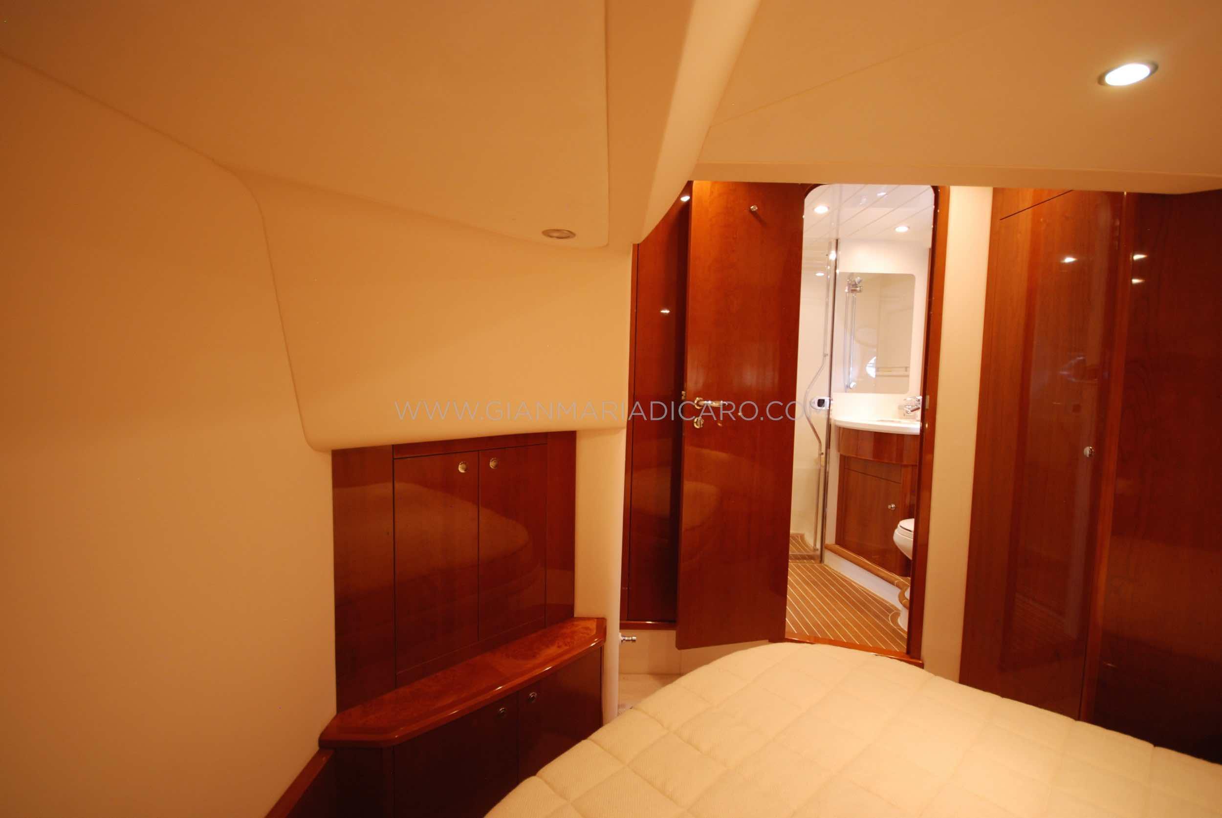 princess-yachts-v58-maestro-di-vita-for-sale-19.jpg