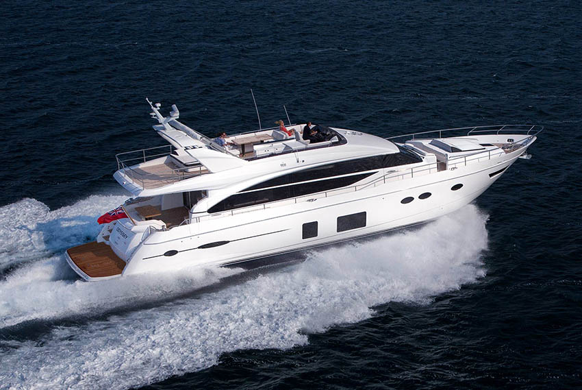 2017 PRINCESS 82 'Floridian' - CAT C32 ACERT • 1723 MHP • 205 HOURS8 BERTHS IN 4 CABINS • 4 BATHROOMS + CREWMONACO / €2.690,000 EX VAT