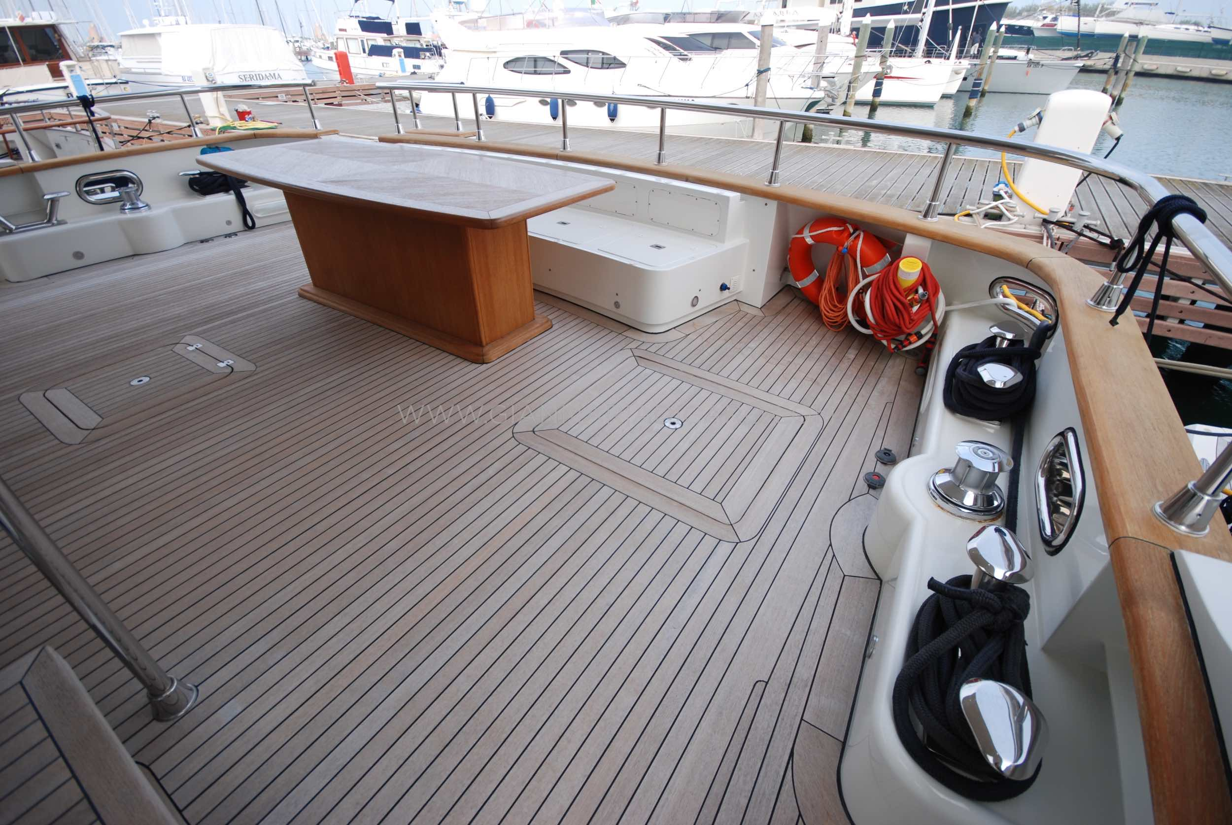 emys-yacht-22-unica-for-sale-43.jpg