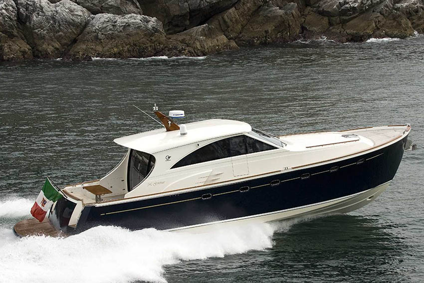 2006 CANTIERI ESTENSI Goldstar 540 - MAN R6-800 • 800 HP • HOURS 7697 BERTHS IN 4 CABINS • 3 BATHROOMSITALY / €375,000 VAT PAID