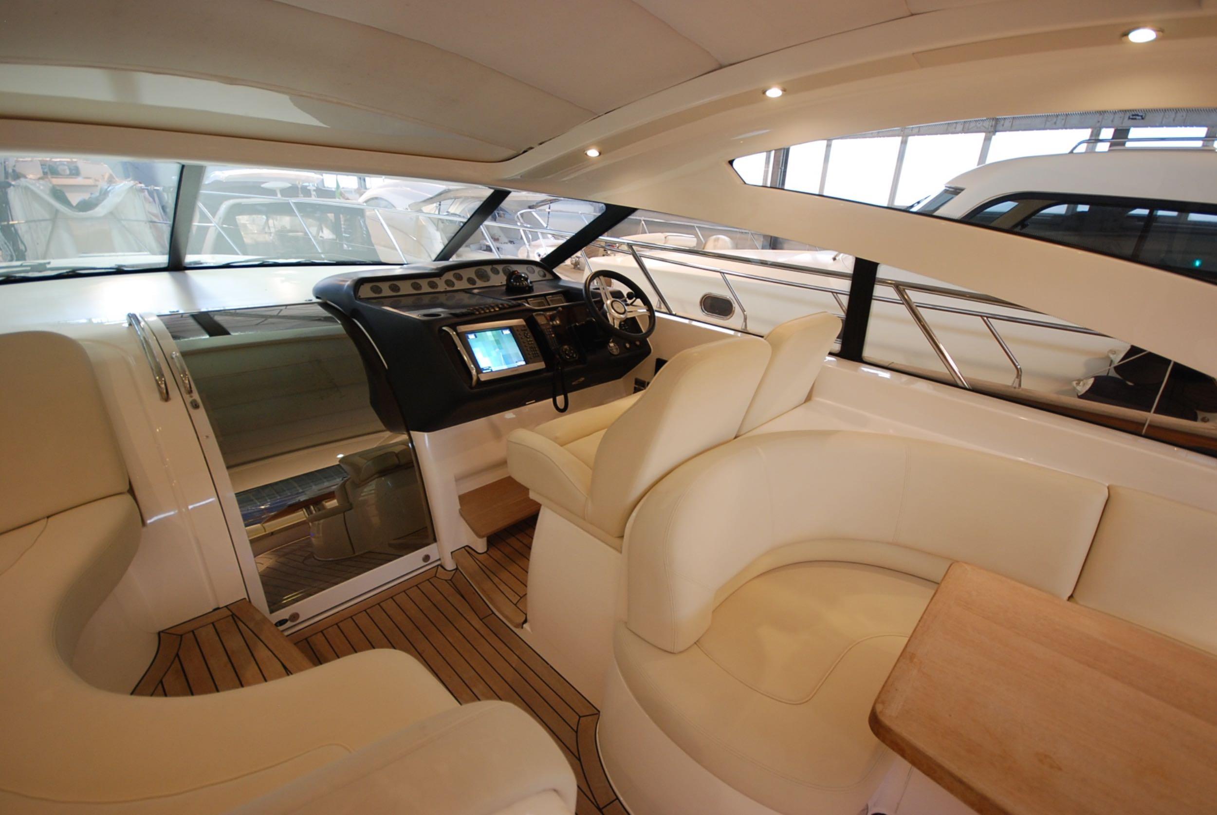 princess-yachts-v58-maestro-di-vita-for-sale-8.jpg
