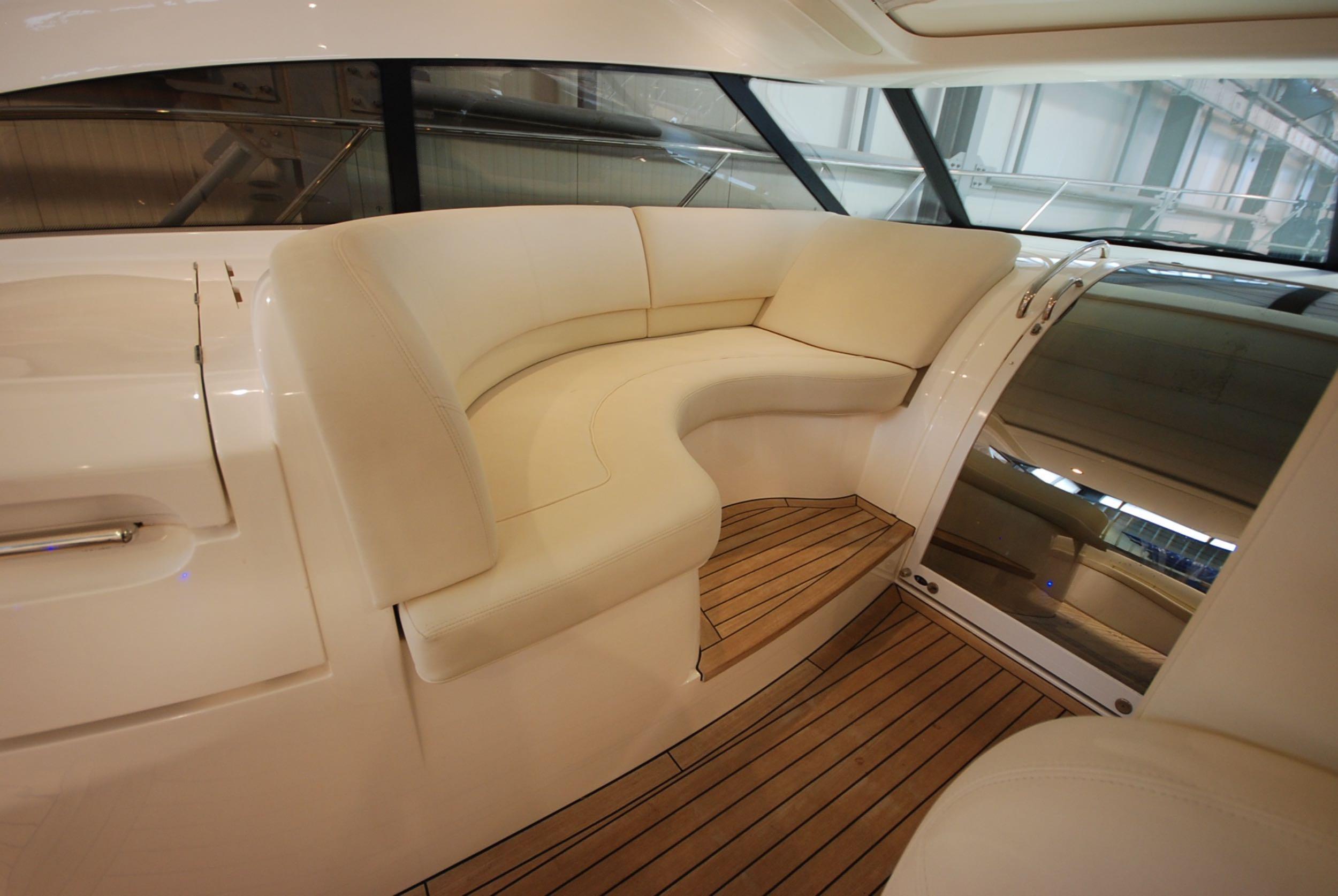 princess-yachts-v58-maestro-di-vita-for-sale-10.jpg