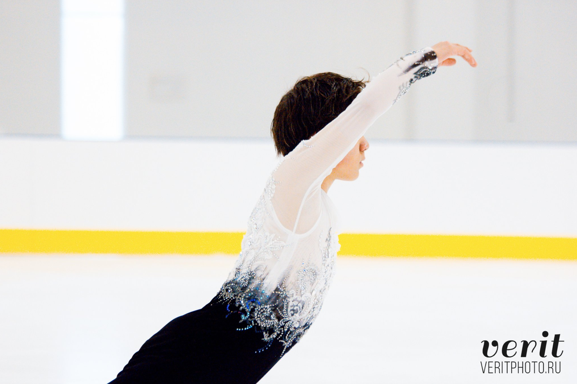 Shoma Uno performs his free program at the Lombardia Trophy (   photo by Verit   )