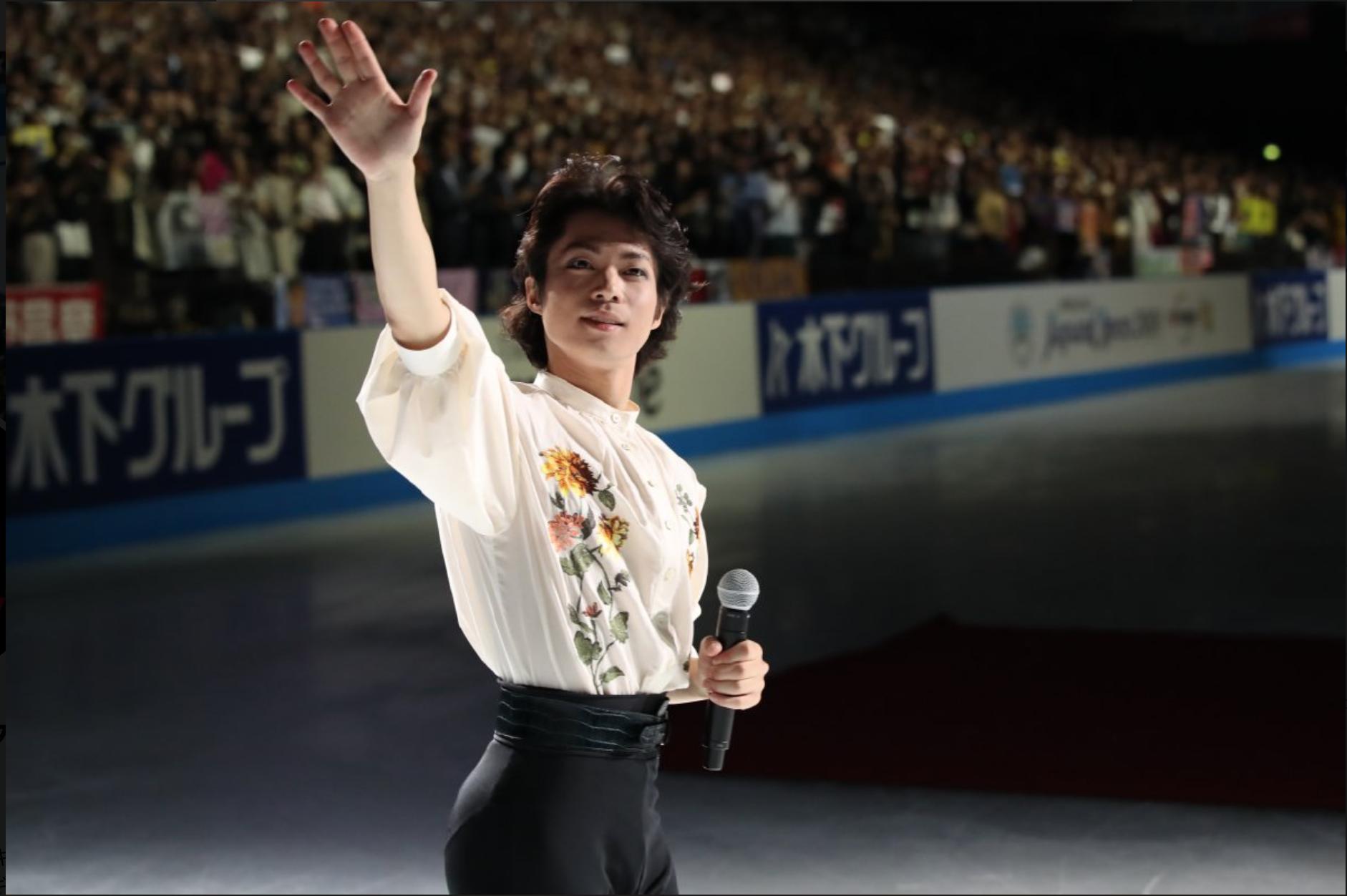 Tatsuki Machida waves farewell at Carnival on Ice (   Photo credit: Sports Navi   )