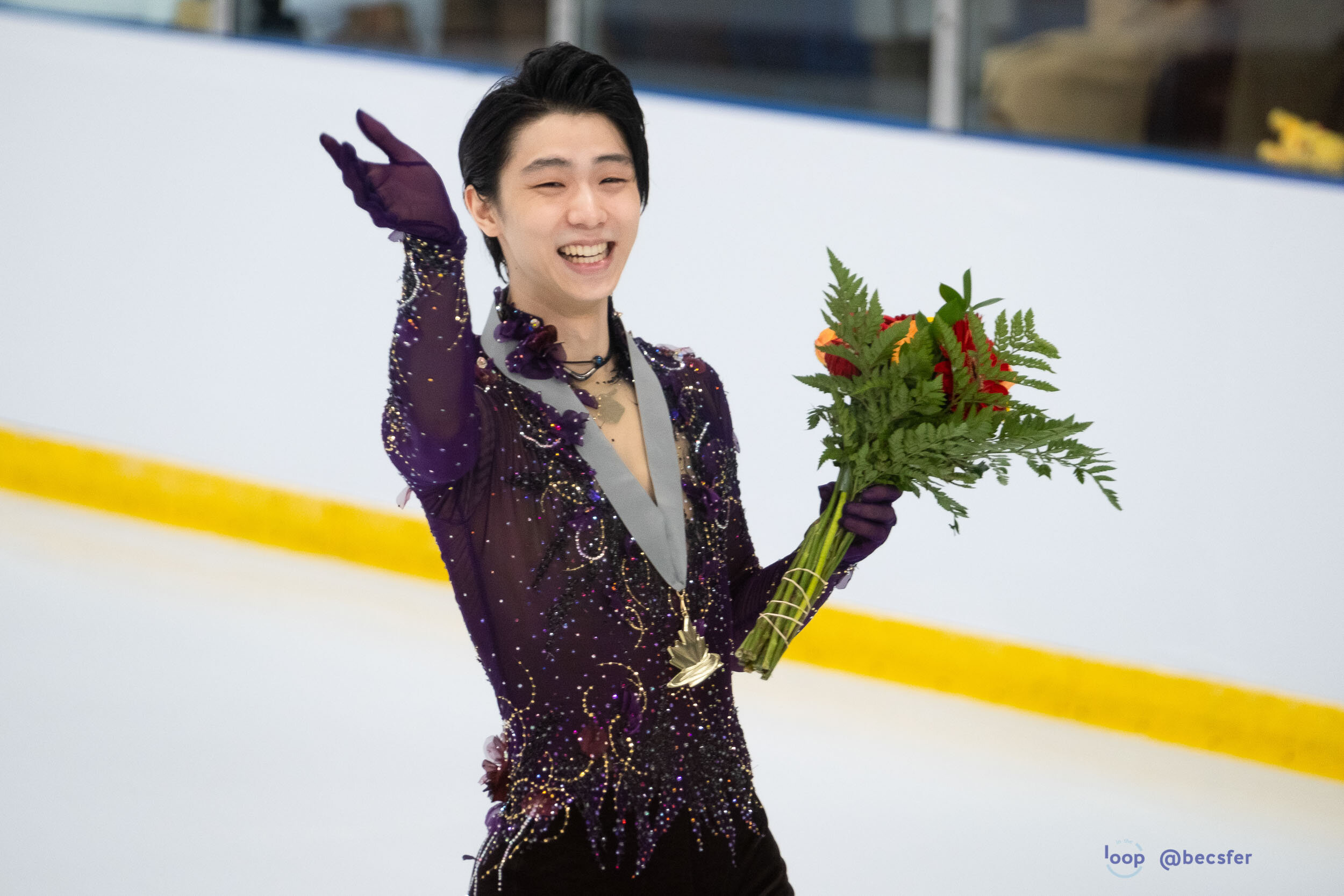 Yuzu cracking up at the Gabb, Lae's, and my chaotic unsightly brainchild of a banner for him. Sometimes throwing taste and aesthetics out the window is worth it to make your favorites laugh.