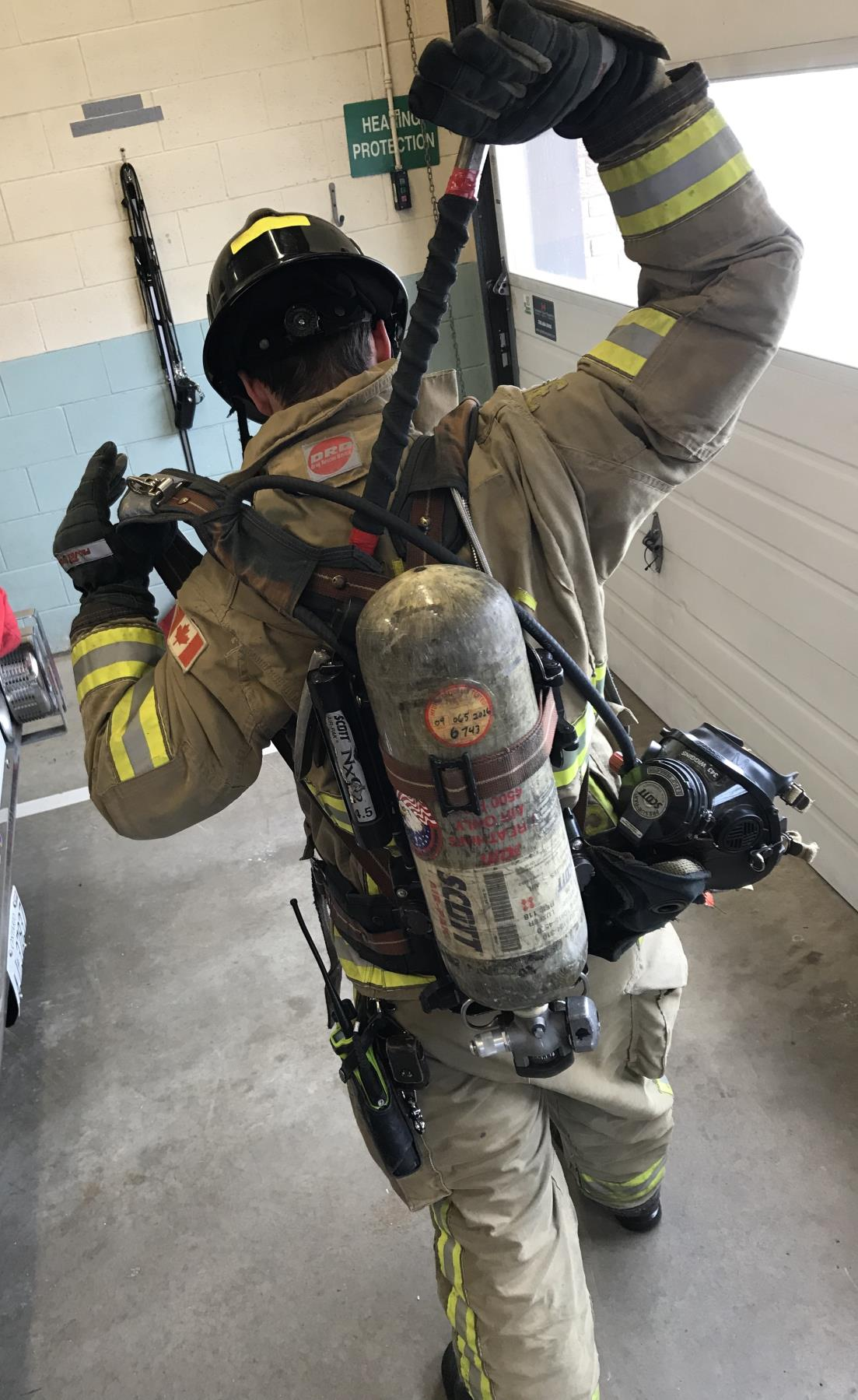 firefighter Halligan Carry_image two_start move.jpg