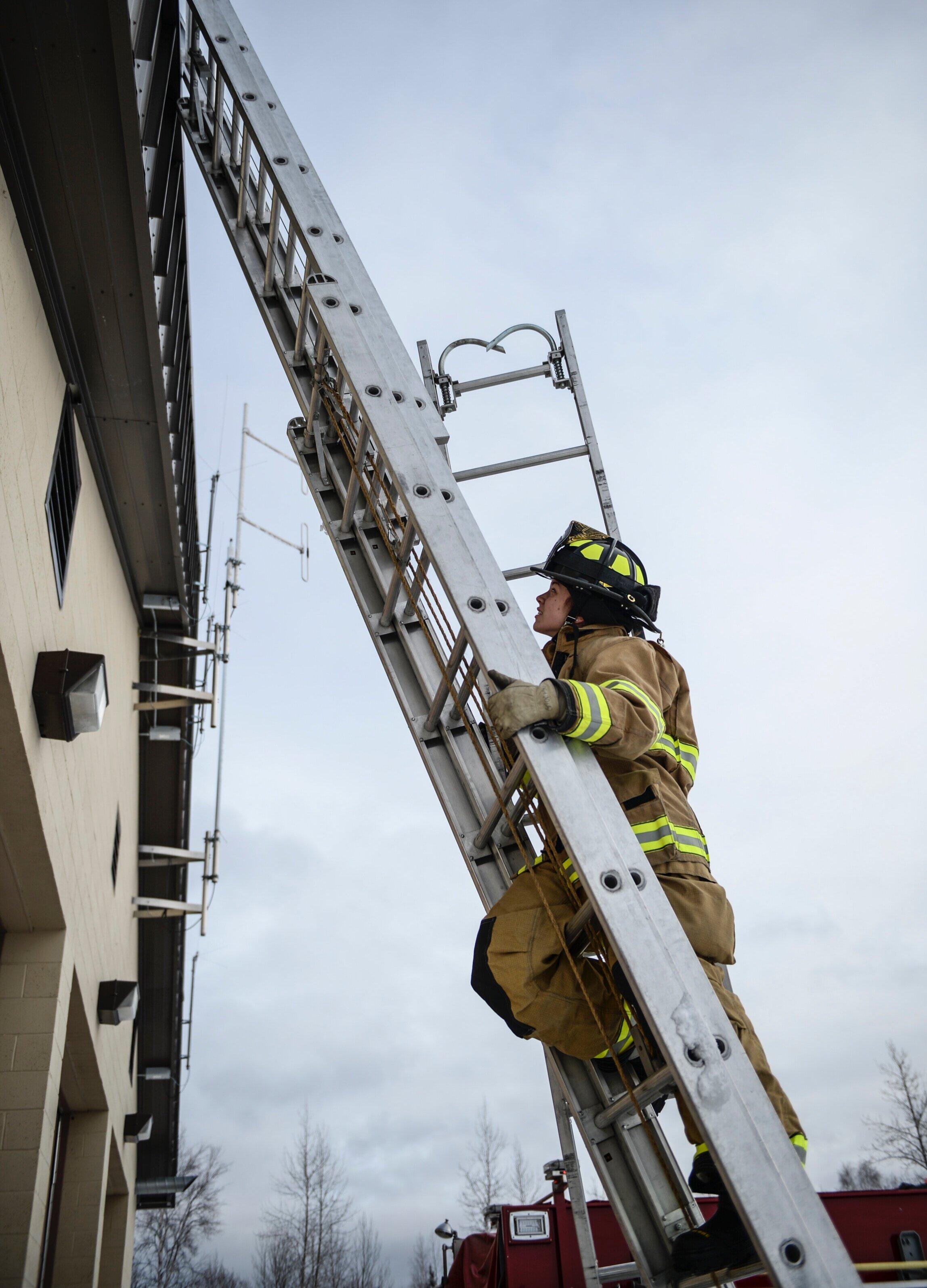 firefighter ground ladder training