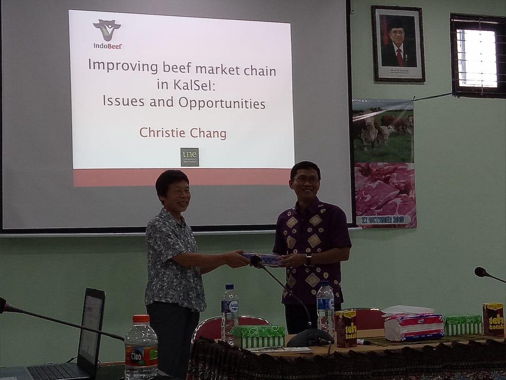 A/Prof Christie Chang and Dr Ika Sumantri at ULM during Christie's seminar.