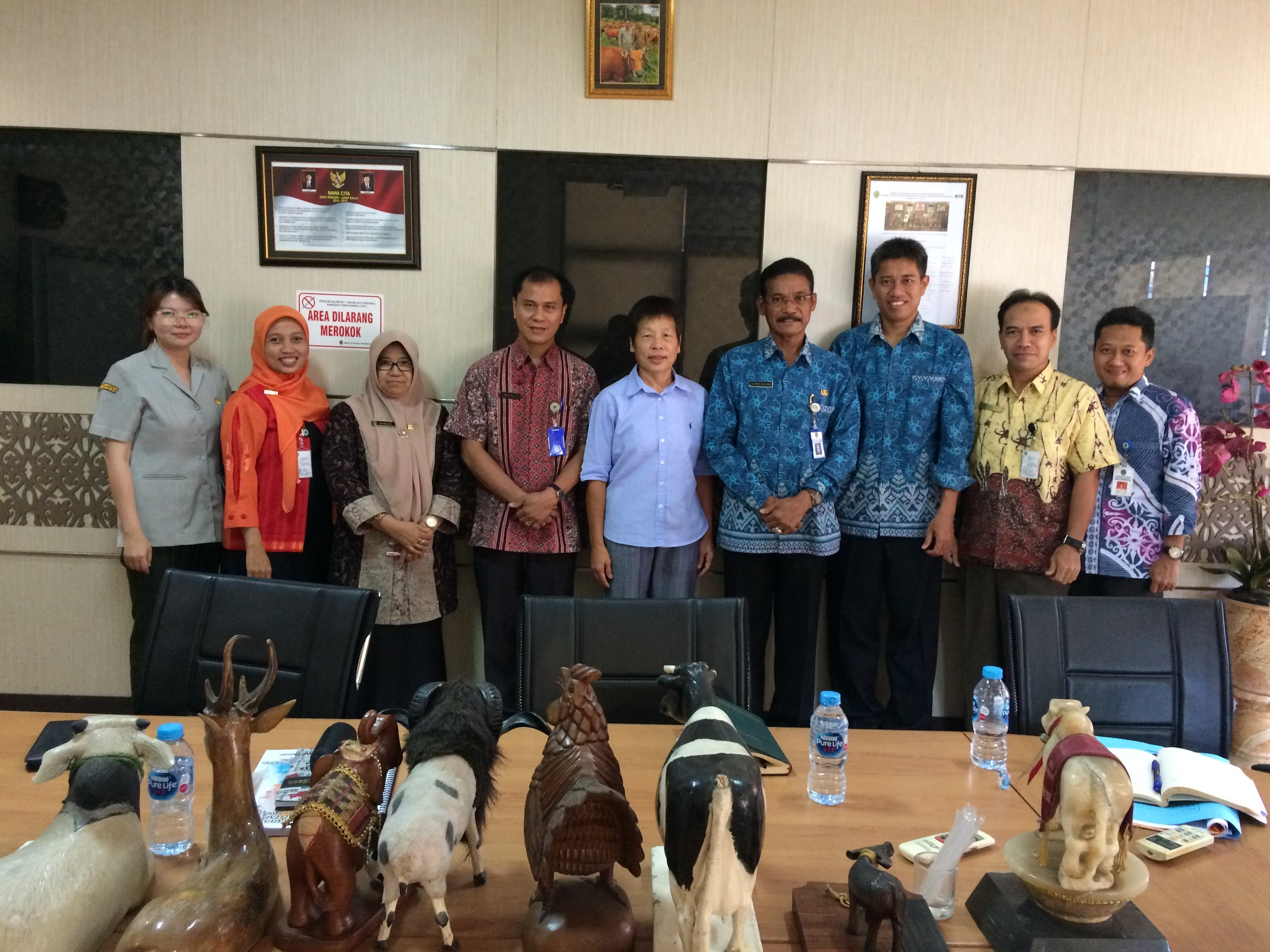 PalmCow market chain research team meeting with Provincial Dinas Livestock, Samarinda.