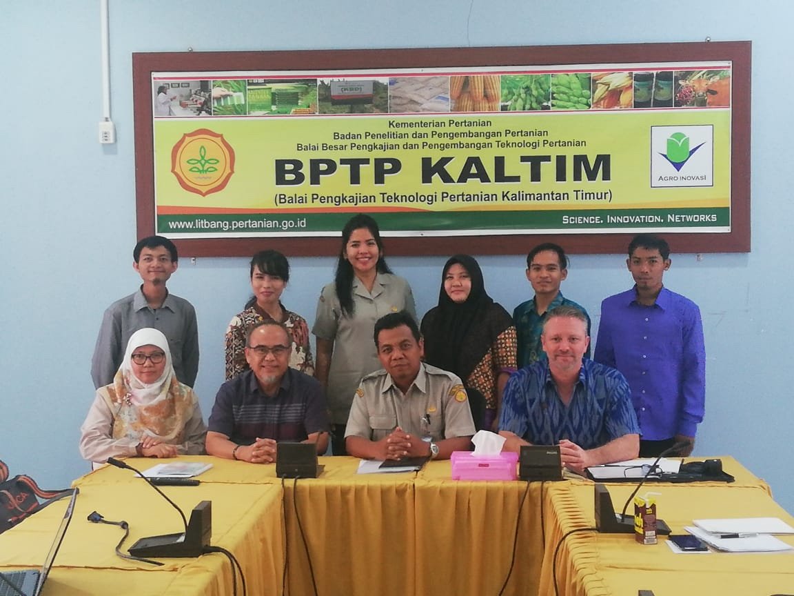 Interview panel and Field Officer candidates in East Kalimantan.  Photo: Dr Yeni Widiawati, IRIAP.