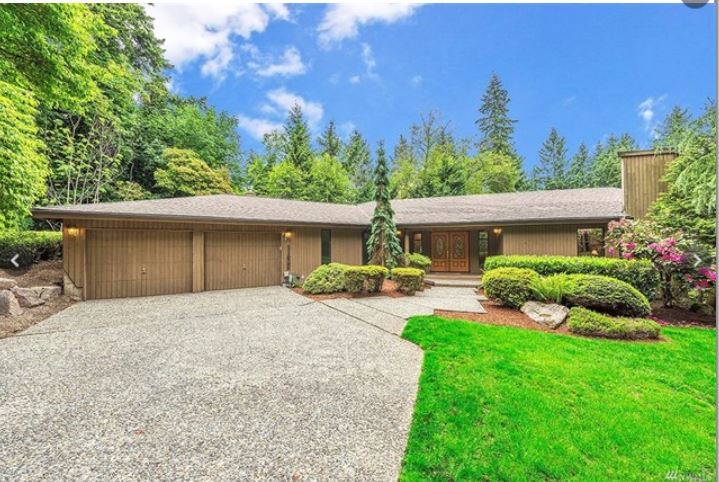Kirkland Dream Home    $850,000    4 bedrooms 2.25 baths - 3060 sq ft    37,800 sq ft lot    Built in 1980    Sprawling custom home, single story rambler on wooded .87 of an acre lot. Next to 36 acres of Juanita Woodland Park. Open concept home. Expansive deck Loads of windows, very light and bright.