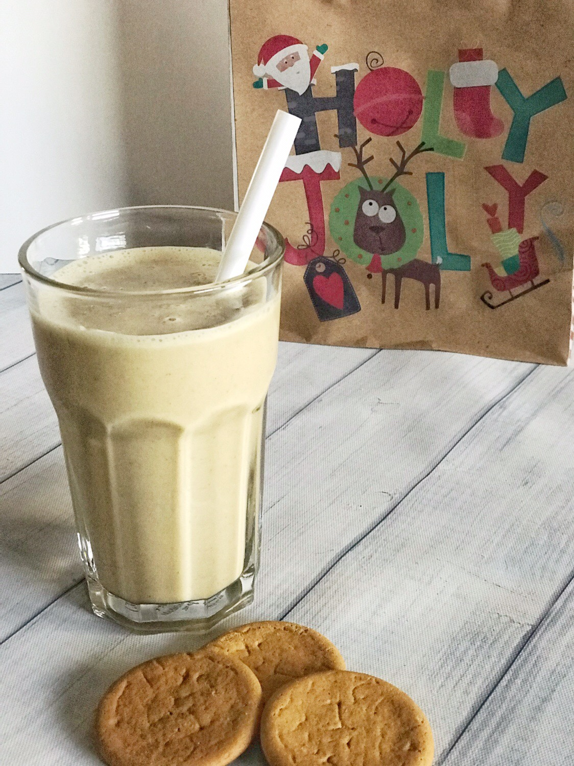nutritiously simple gingersnap smoothie.jpg