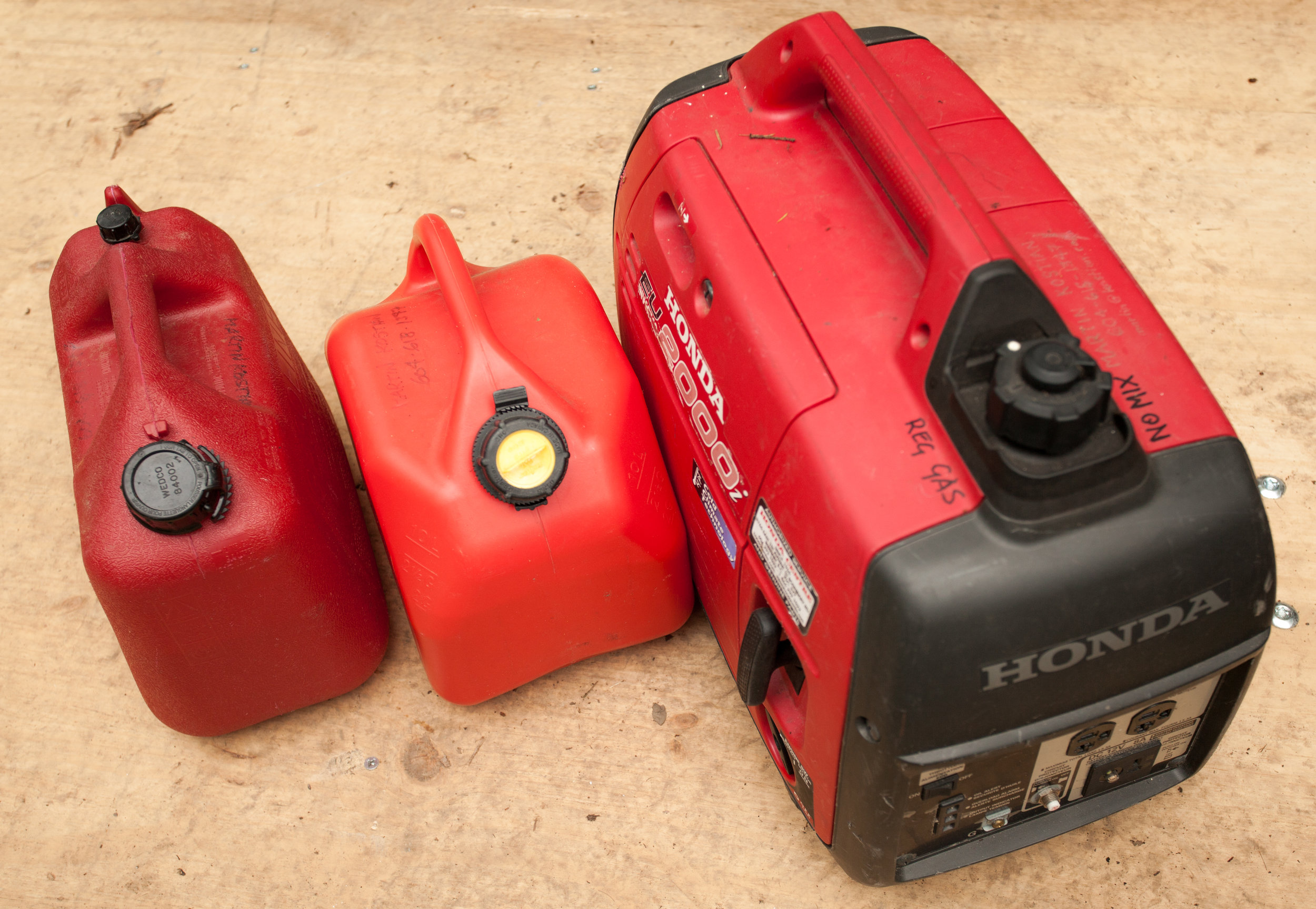 2000w Honda Generator - $60/day - Also includes 2 50' A/C extension cords2 Jerry cans