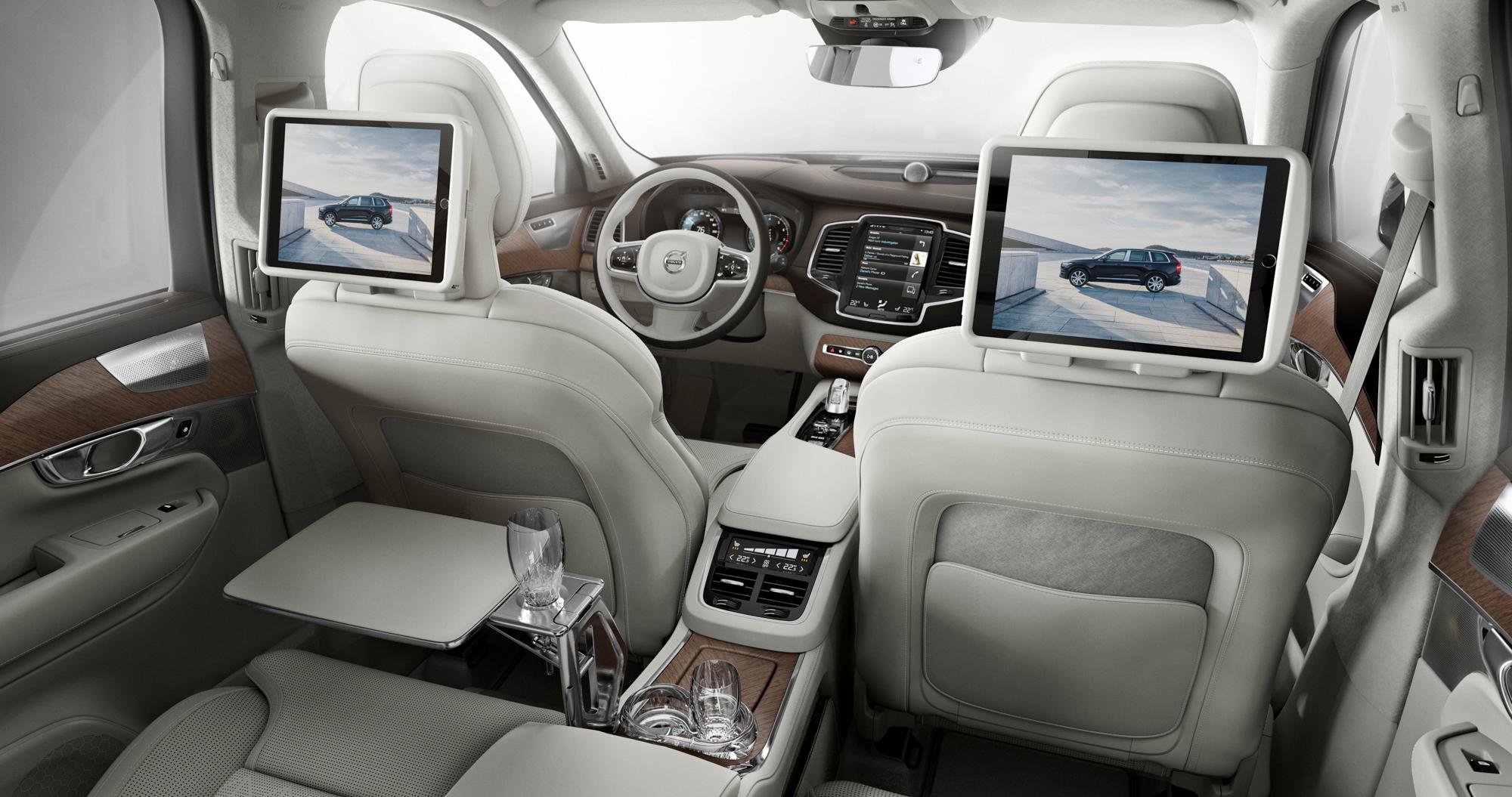Volvo_XC90_Ex_Int_002.JPG