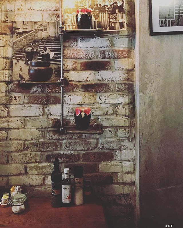 Interior @golbornedeli #golbornedeli #golborneroad #golbornemarket #foodie #londoner #lunch #summer #londonbrunch #breakfast #brunch #lunch #cake #coffee #coffeetime #summer #saturday #morning
