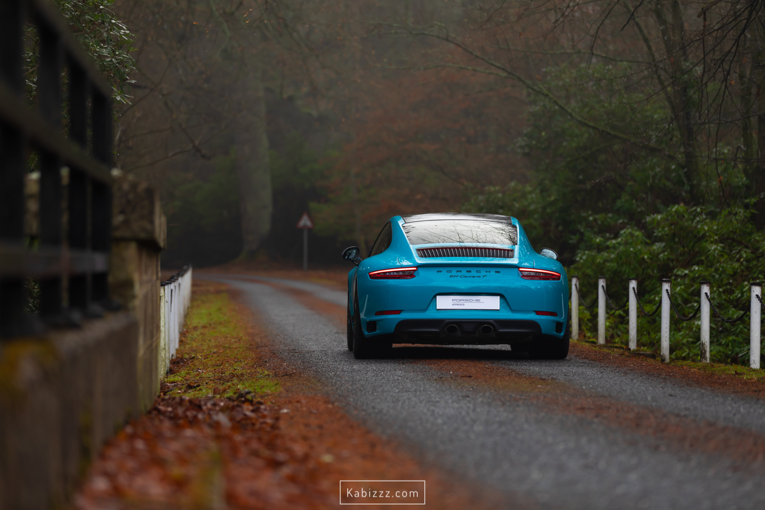 porsche_911_carrera_t_miamiblue_scotland_photography_automotive_photography_kabizzz-6.jpg