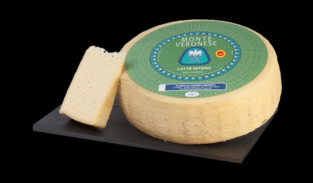 Monte Veronese D.O.P. latte intero - Kravský sýr z plnotučného mléka