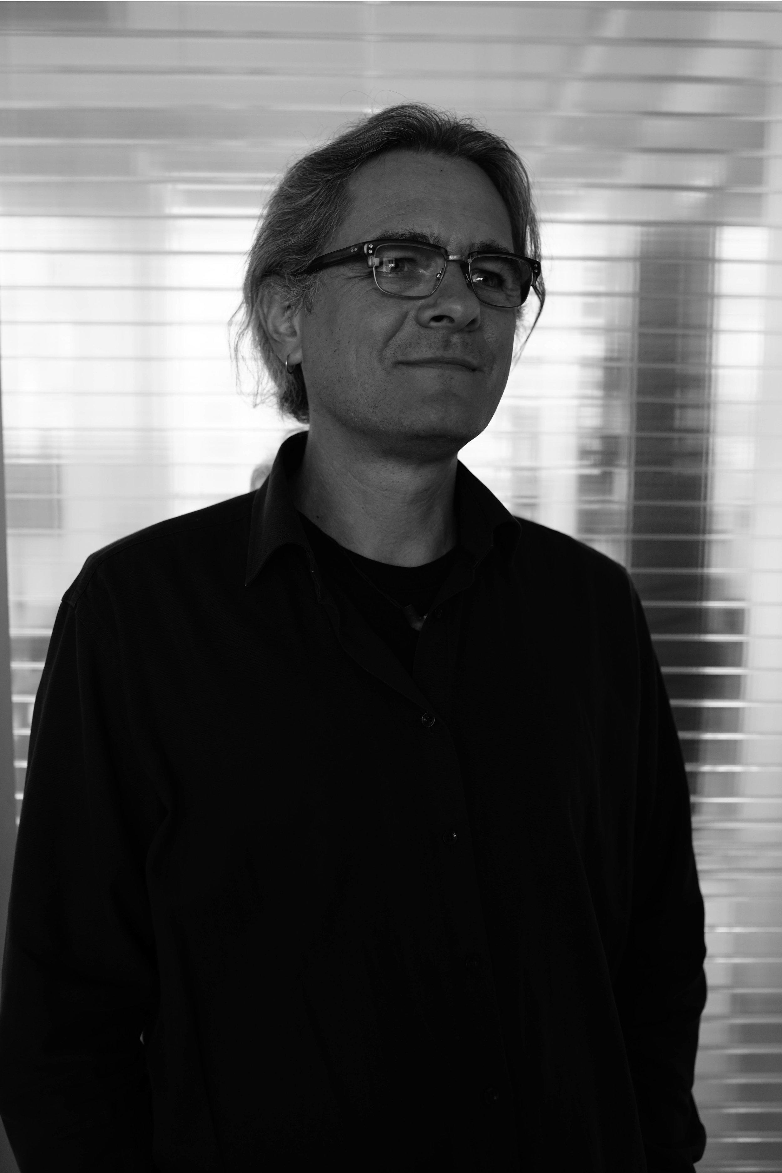 Heiko Englert86-93 Uni Stuttgart - Diplom Museum in Niedrigenergiebauweise02-03 Energetische Gebäudesanierung (ifBau)Eintrag in die Fachliste Energieeffizienz d. AkBWEintrag in der EnergieEffizienzExperten-Liste der dena -