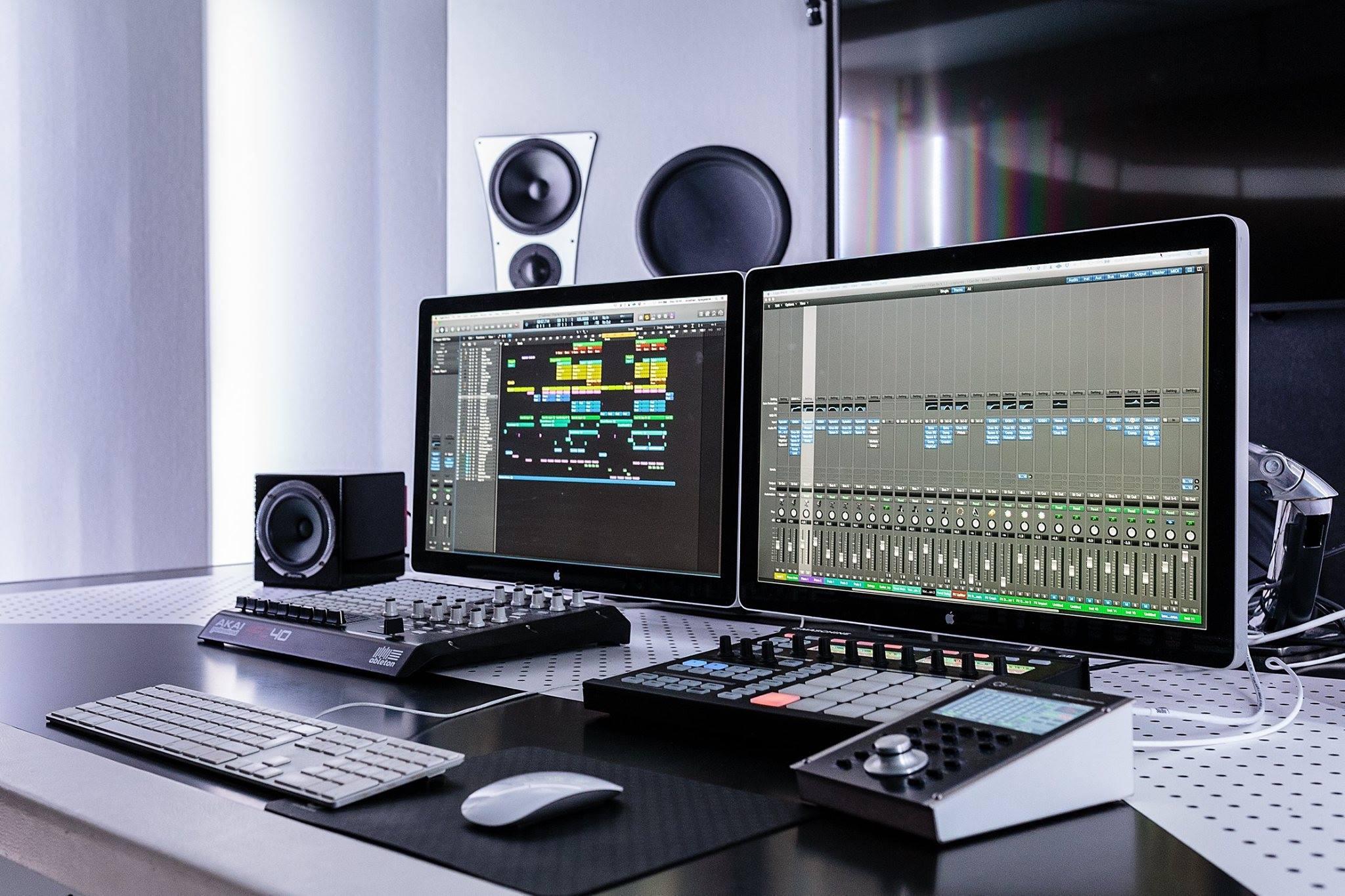 Full Monty Studio 2.jpg
