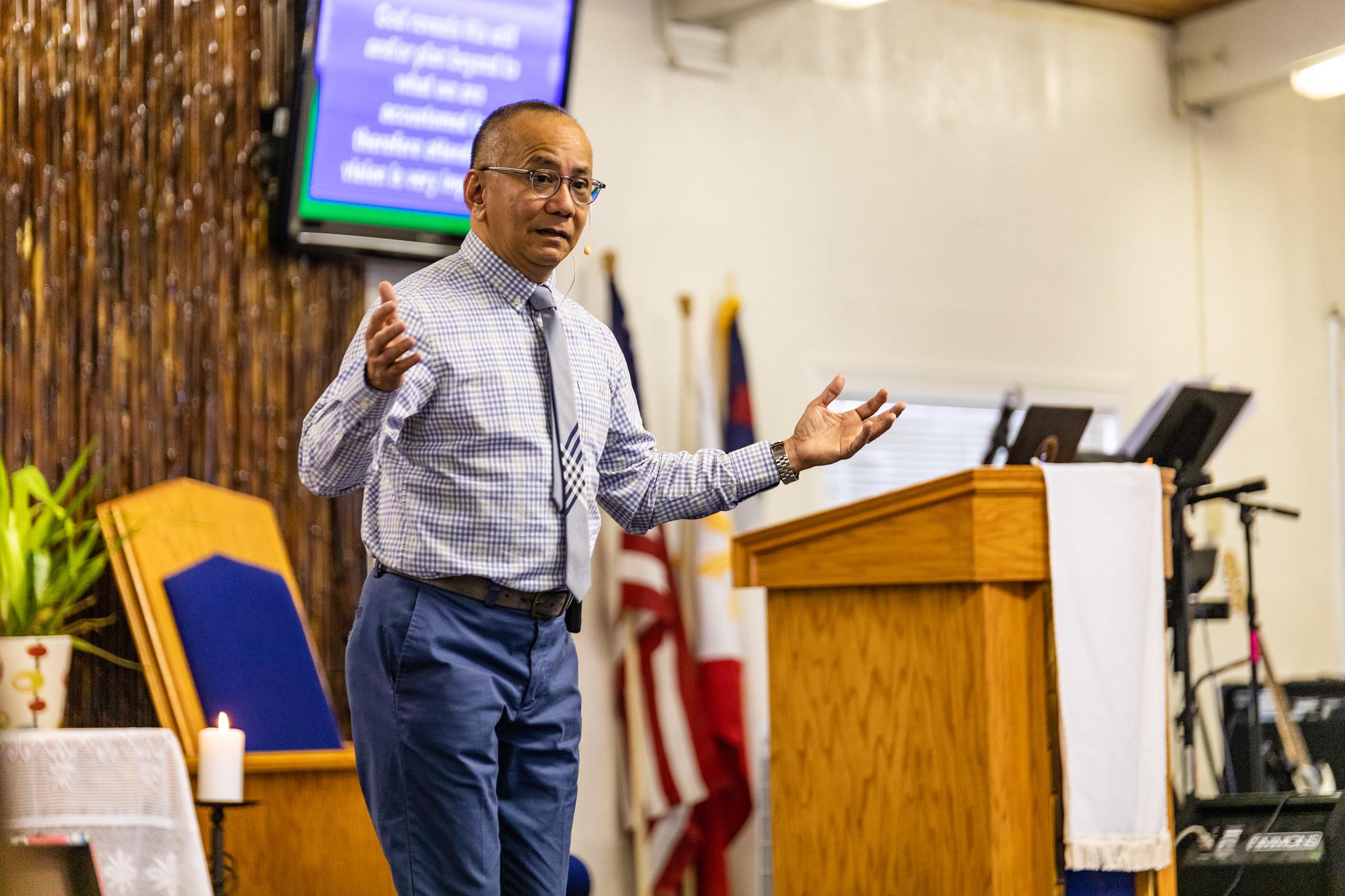 Pastor Arnel Clemente Preaching
