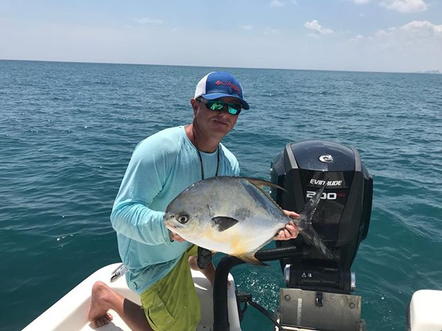 Getting it done on the #saltreaper with some#permit action #saltreaperfishing#powerpole #evinrude#