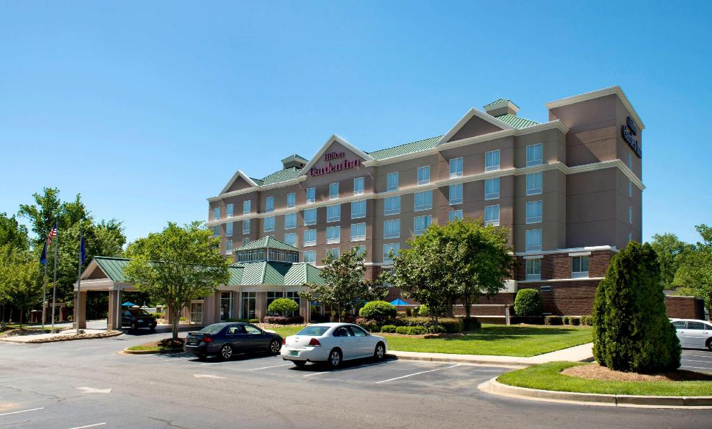 The  Hilton Garden Inn Rock Hill  hotel is located in Manchester Village Business and Retail Center near I-77 and Dave Lyle Boulevard
