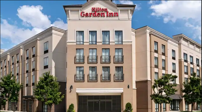 The  Hilton Garden Inn  hotel in Charlotte, NC is located in  Ayrsley , a business and neighborhood district near downtown Charlotte and area attractions.