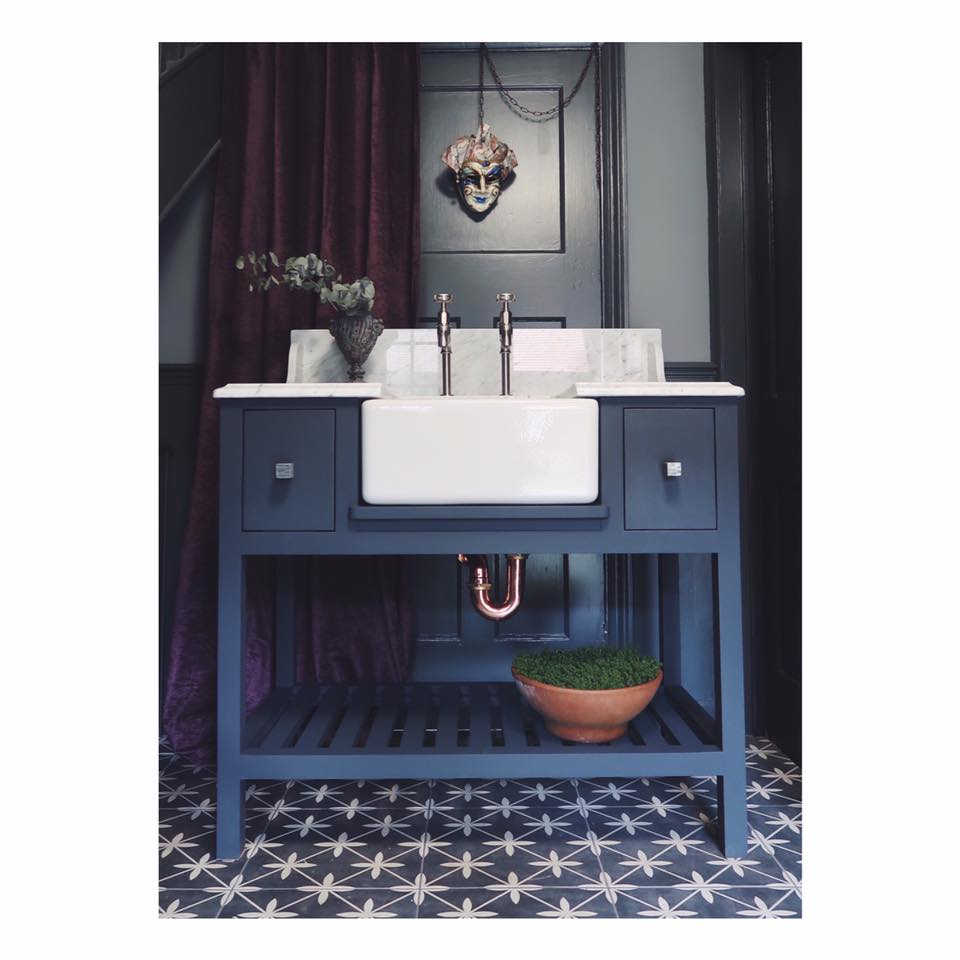 Here we have one of our baby belfast freestanding sink units fitted with Carrera marble top and Perrin & Rowe taps. Finished in Farrow & Ball Pitch Blue. Other sizes, colours and top choices  are available.