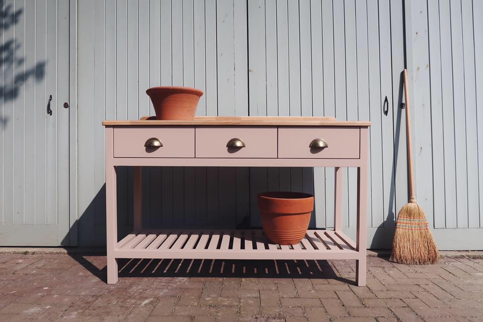 Our medium size preparation table fitted with an oak top and finished in Farrow & Ball Dead Salmon.