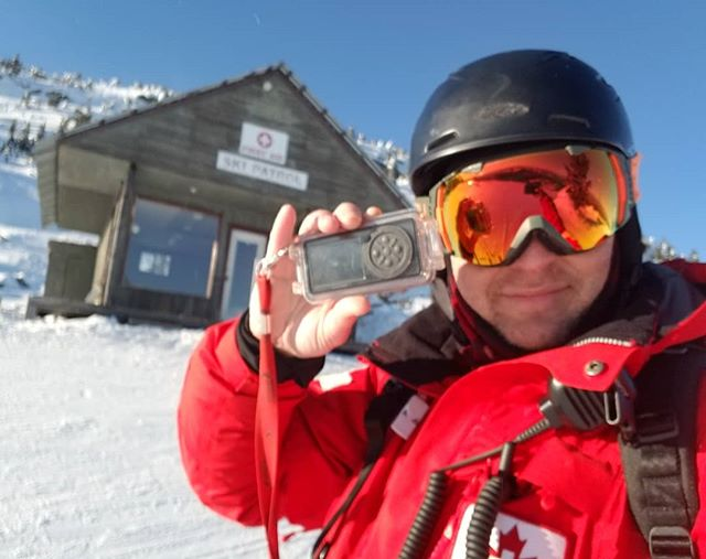 The Dexcom OGOcase was originally designed to survive the snow, wet, cold and hard impacts endured by ski patrollers, and it does all that with flying colours! Easily connect a lanyard to the built in loop and never worry about dropping your Dex while checking your sugar on a chairlift. #Dexcom #dexcomg4 #dexcomg5 #cgm #ogocase #t1d #t1dlife #t1dlifeunbound #diabetes #diabetesstrong #t1dwarrior #t1dawareness #insulin #glucosemonitor #t1dskier #canadianskipatrol #diabeticskier