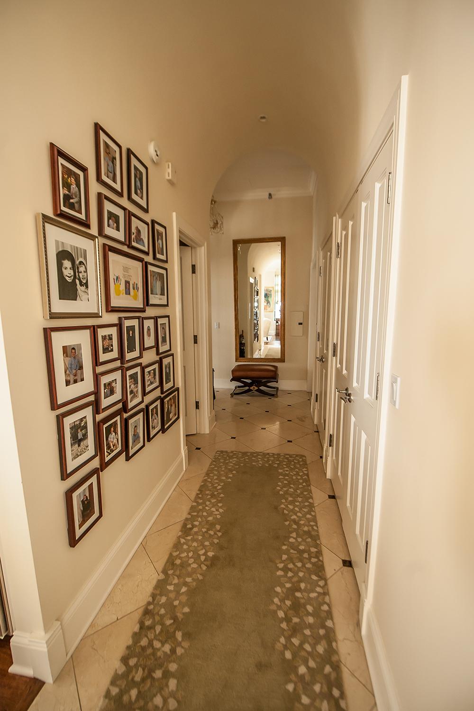 Chi-condo_hallway.jpg