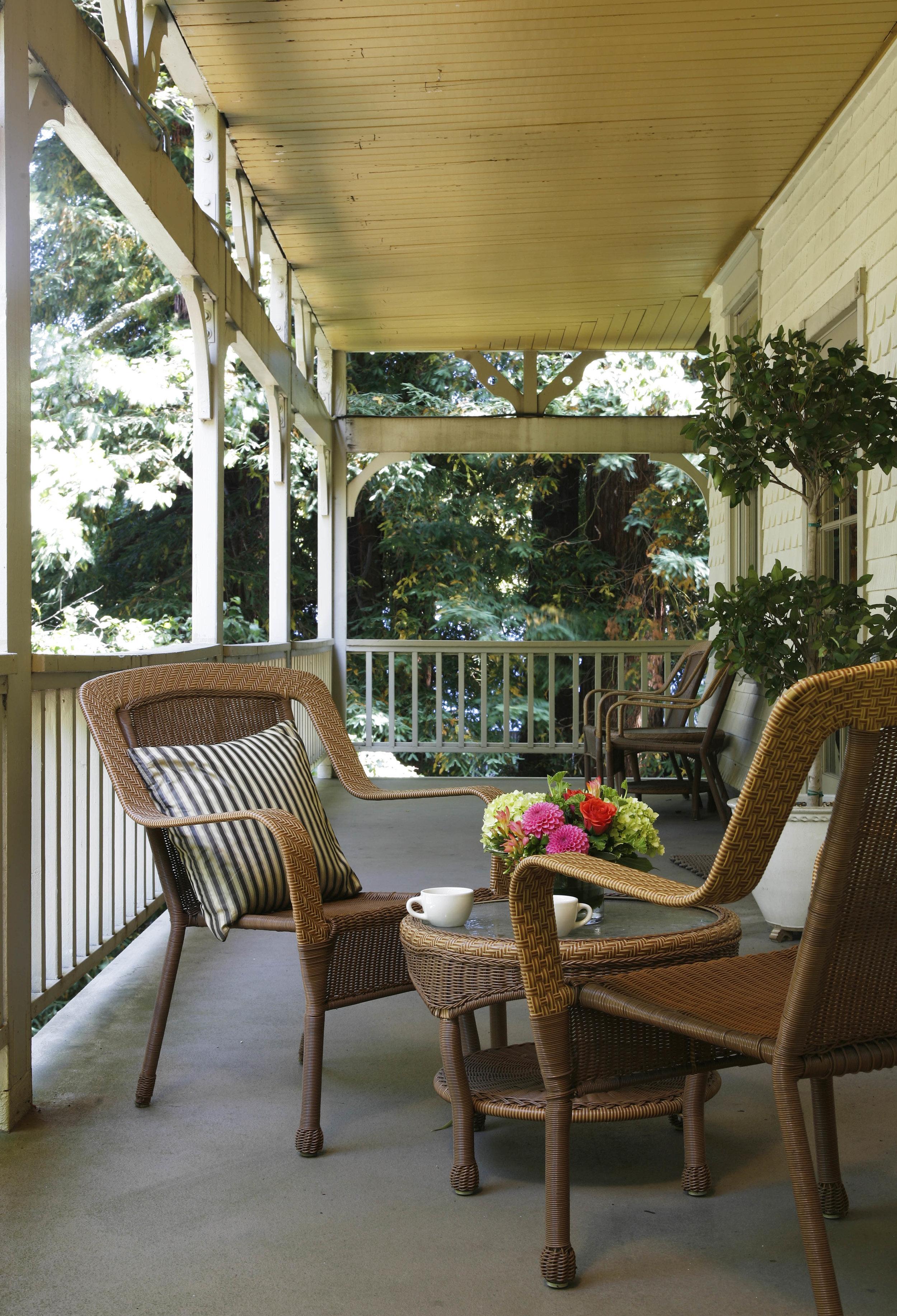 Creekhouse, veranda.jpg