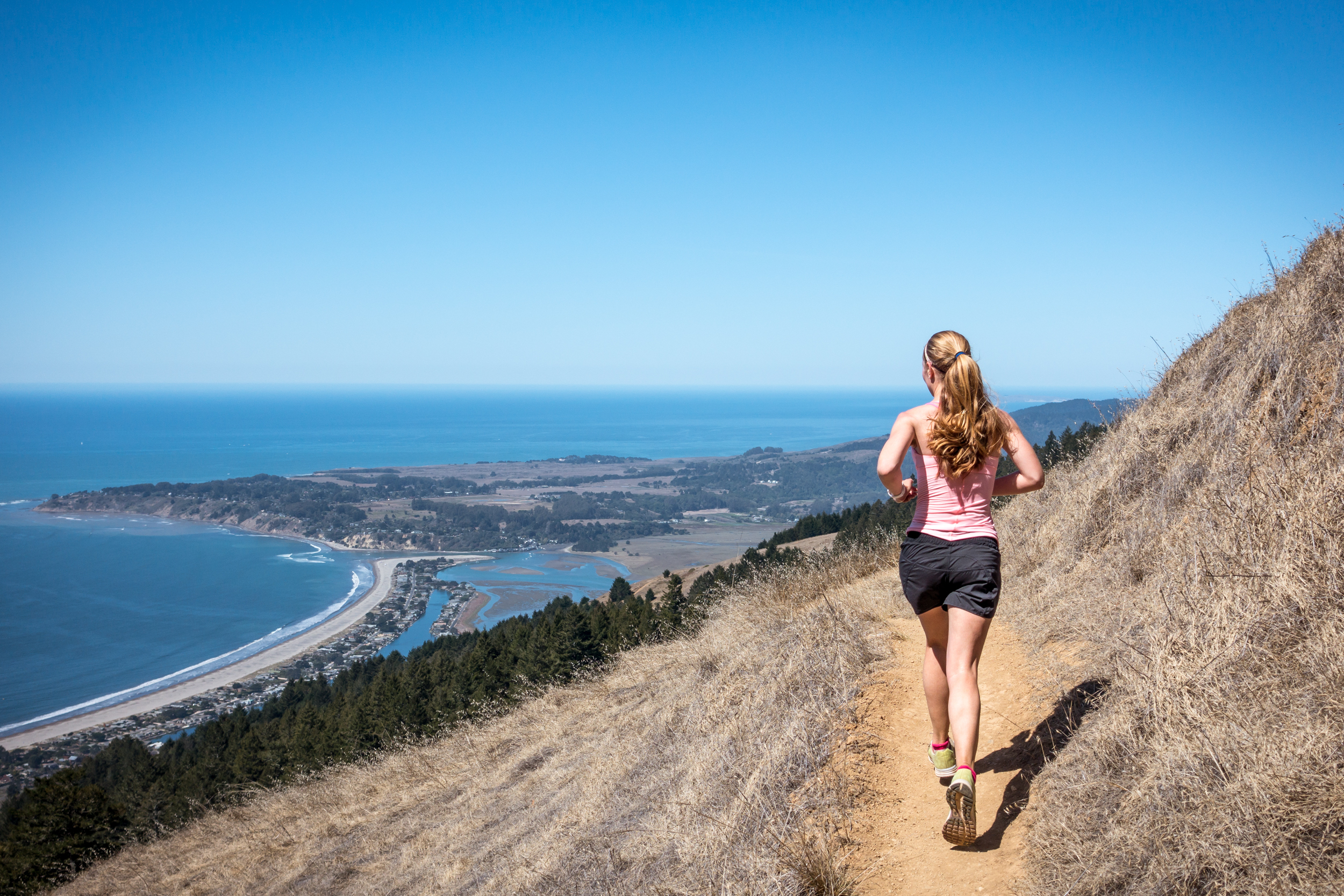 Run above Stinson Beach. Photo on Shutterstock