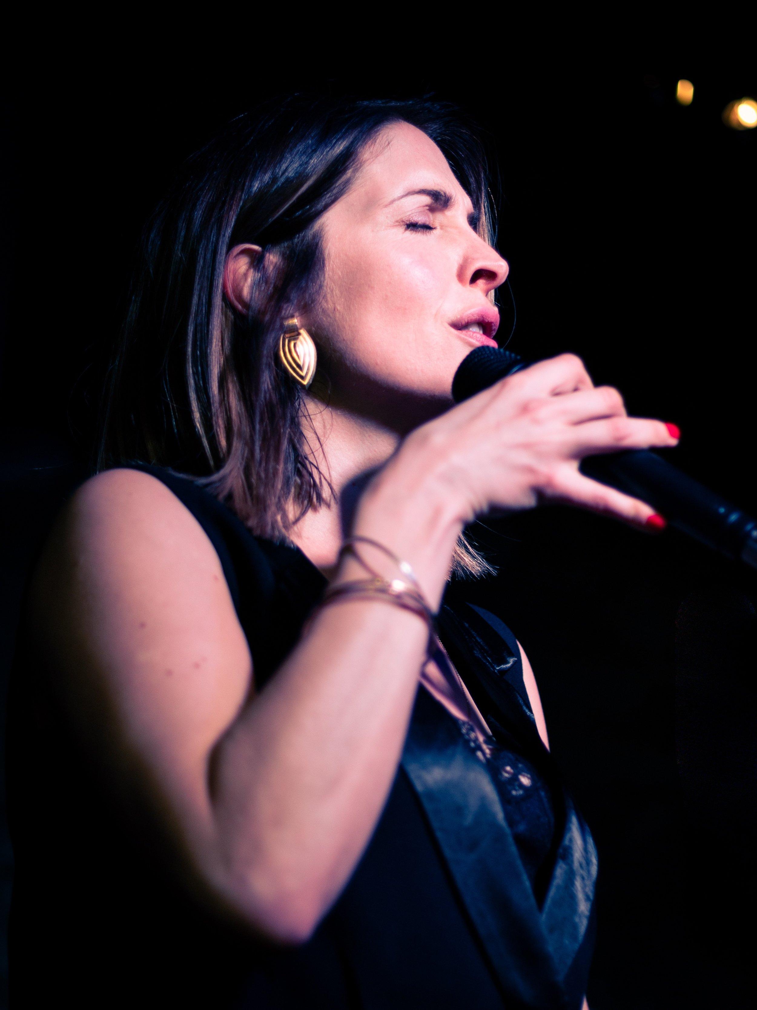 Louise Dodds jazz singer