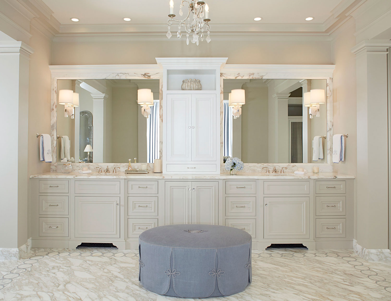 Bathroom with lilac ottoman.jpg