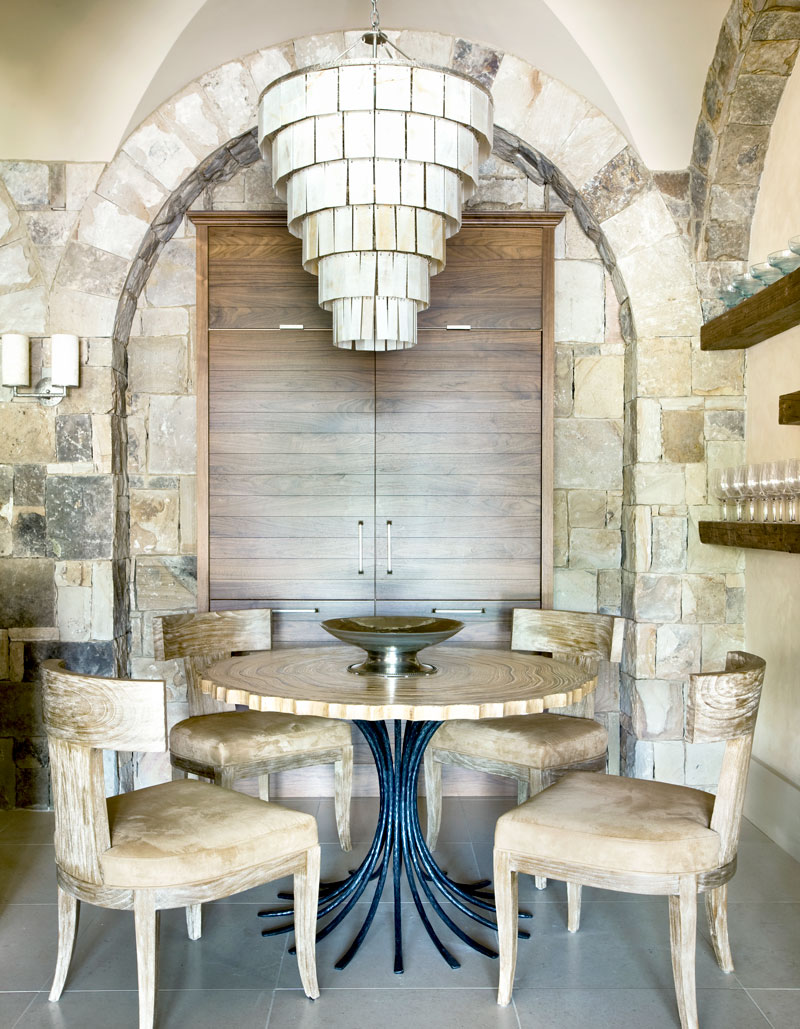 A-Masterful-Mix-Clery-Lake-House-dining2.jpg