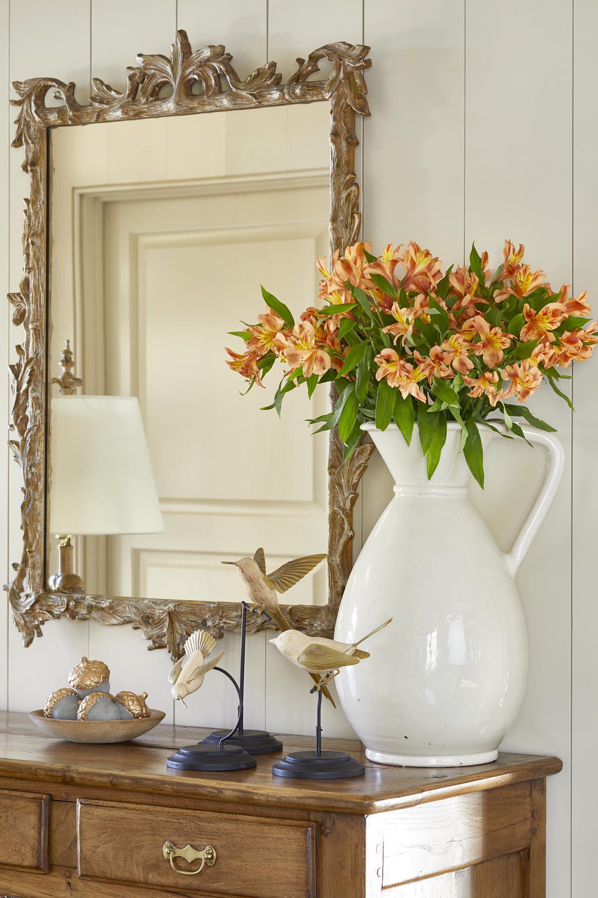 Hughes-Edwards_Vignette2-orange flowers.jpg
