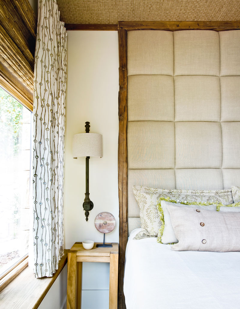 A-Masterful-Mix-Clery-Lake-House-bedroom-vignette1.jpg