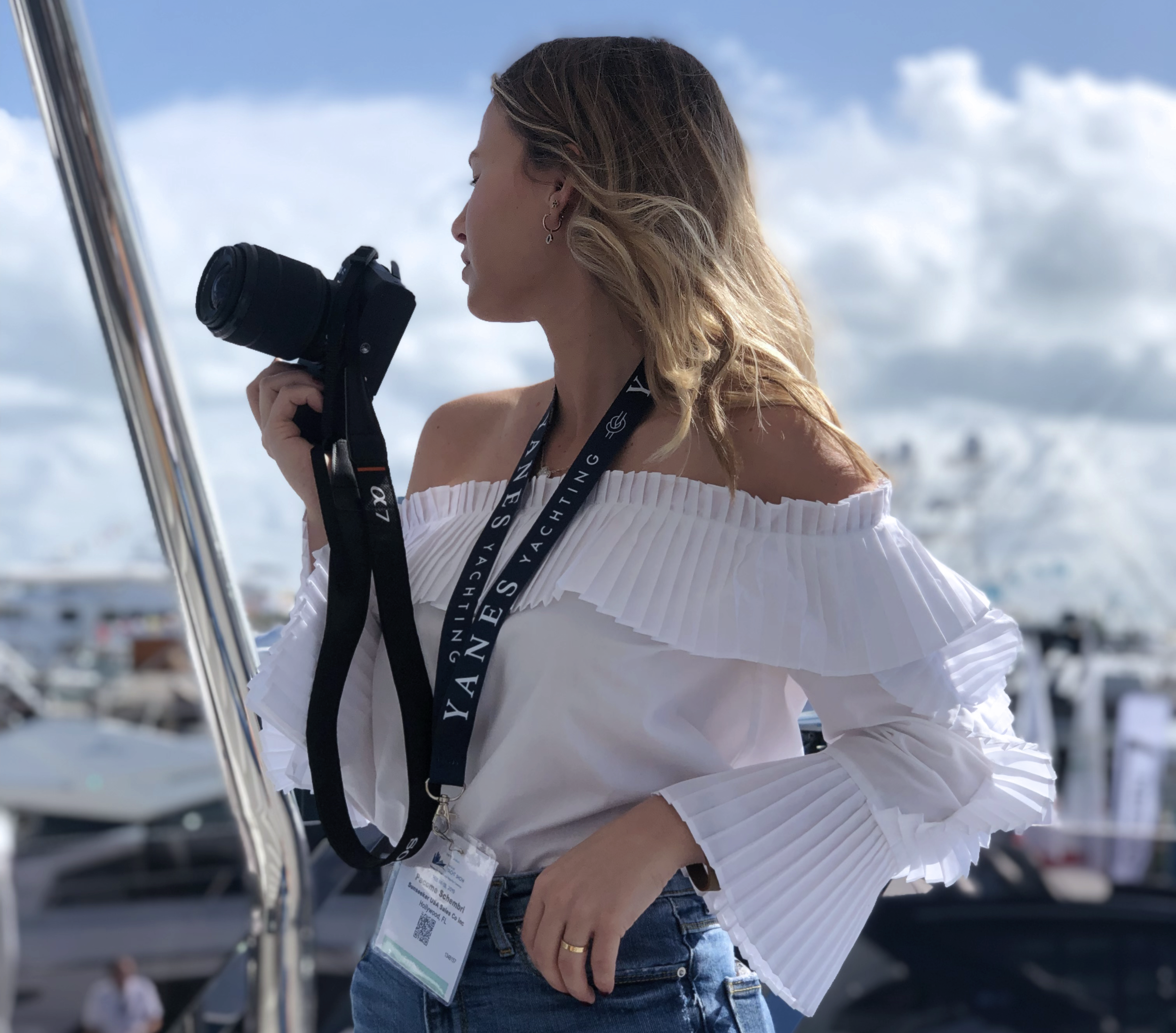 PROFESSIONAL PHOTOGRAPHY - Because a picture is worth a thousand words, Yanes Yachting offers the best quality HD photographs for your listings. To achieve the best shots, our team of photographers will collaborate to stage and light your listing.