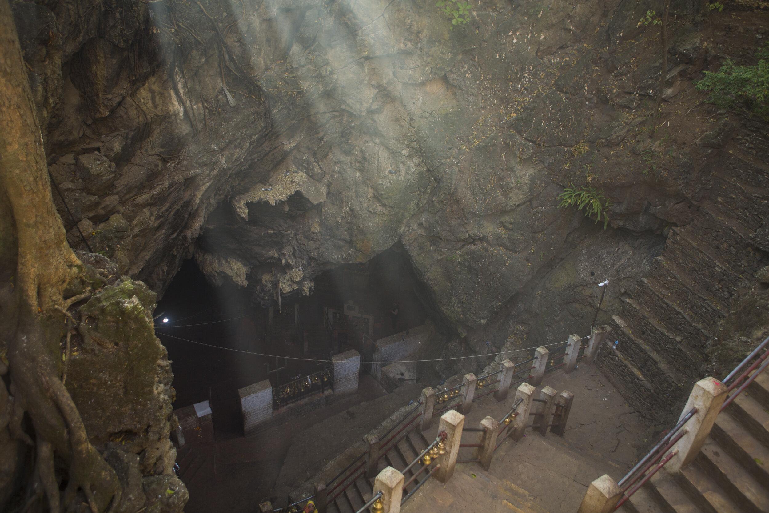 Mahadev_Cave_181230-2.jpg