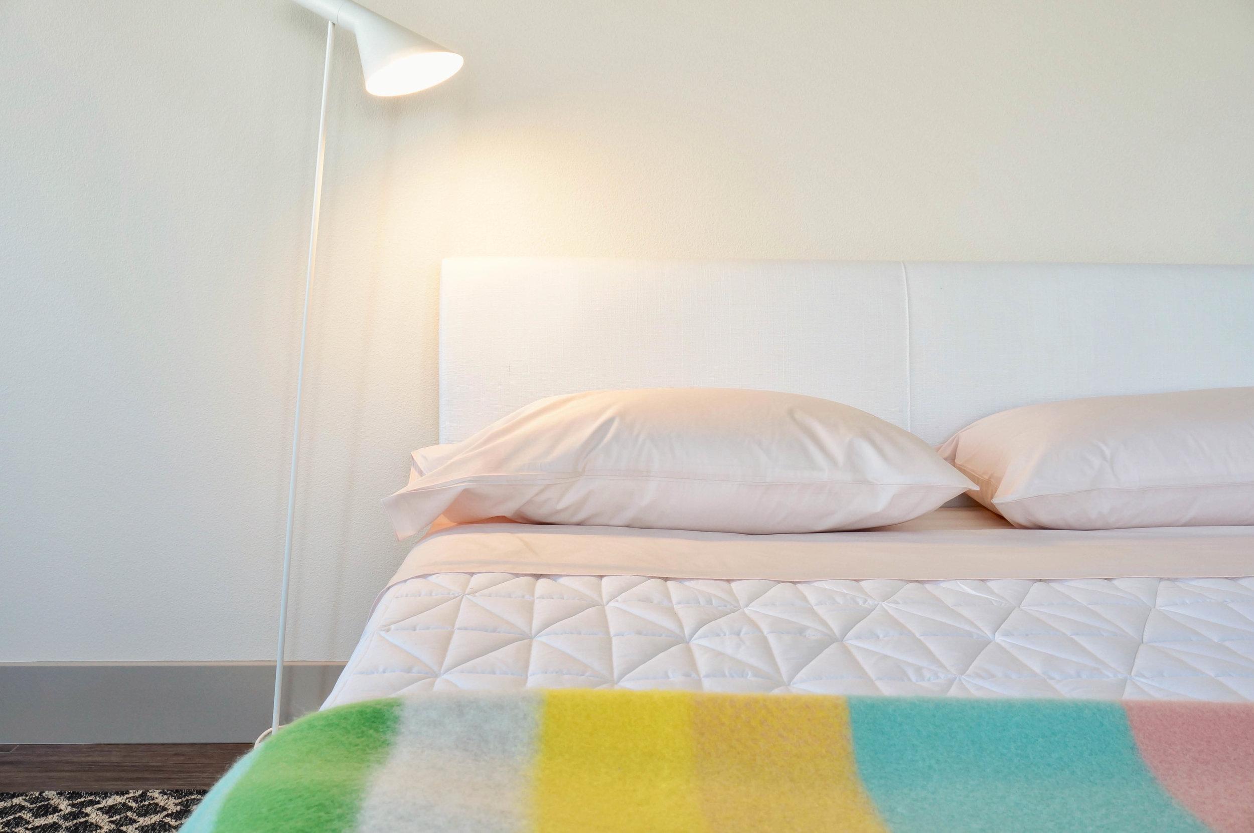 Everett - Studio Bed