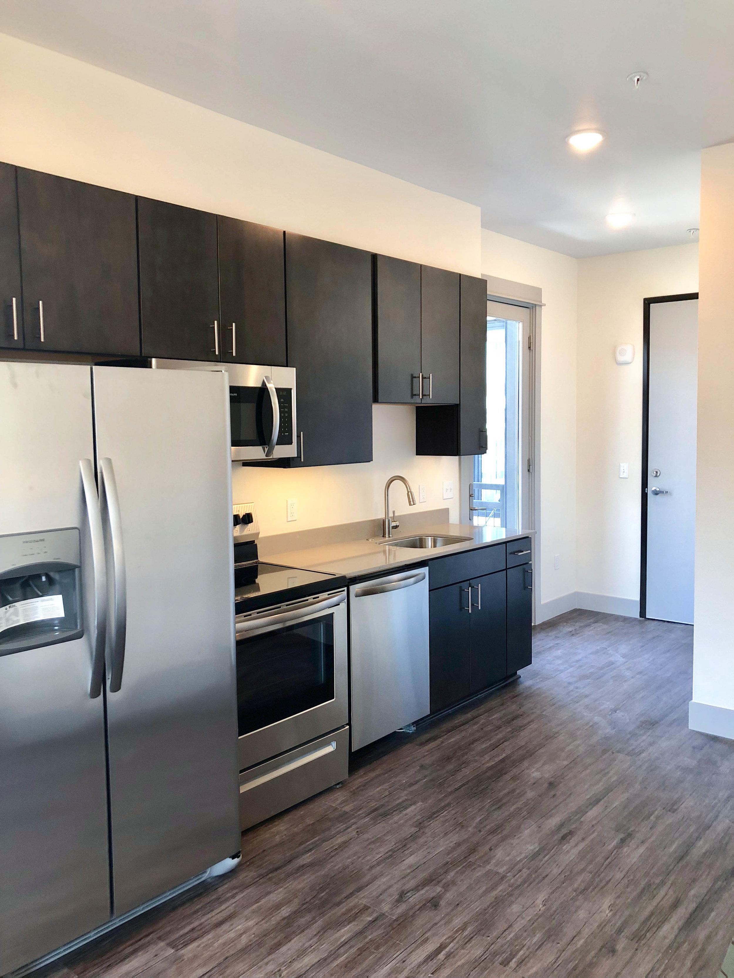 Everett - One Bedroom Kitchen