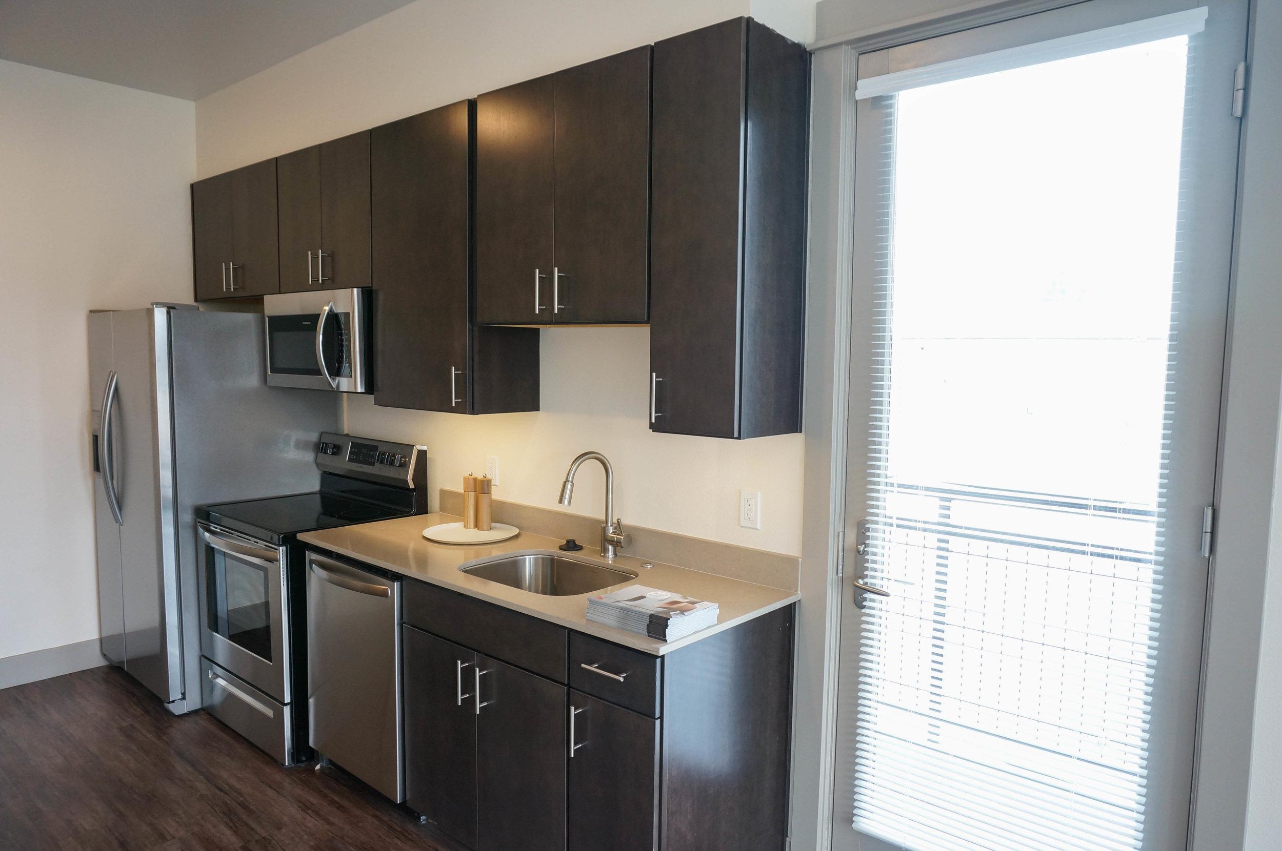 Everett - Studio Kitchen